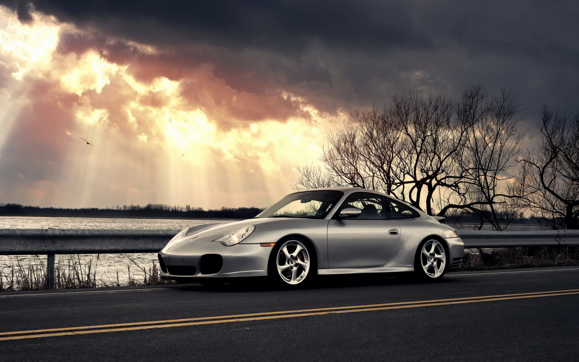 спортивная Porsche без смс