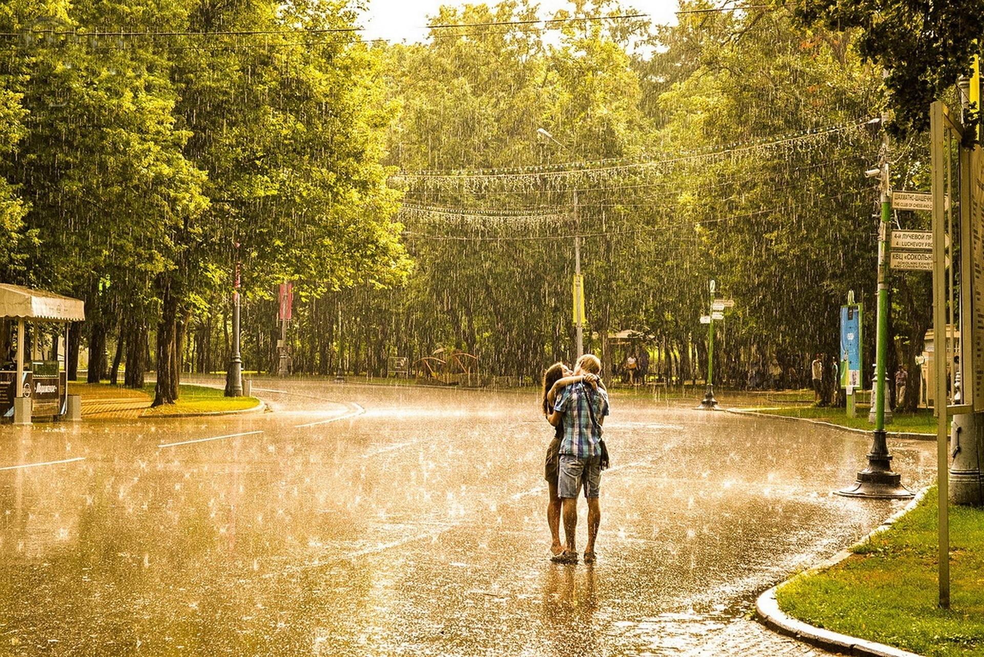 Поцелуй под дождем  № 3358168 без смс
