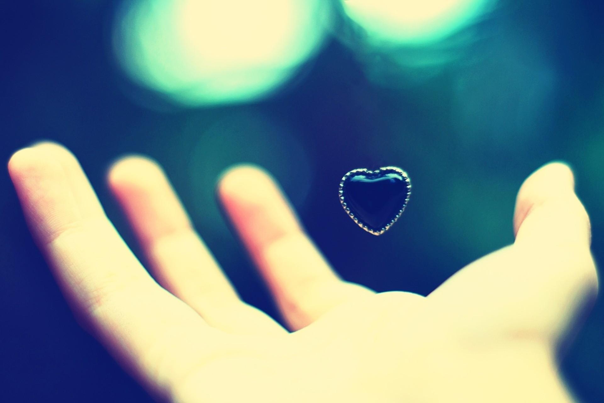 hand hearts wallpaper - HD1920×1280
