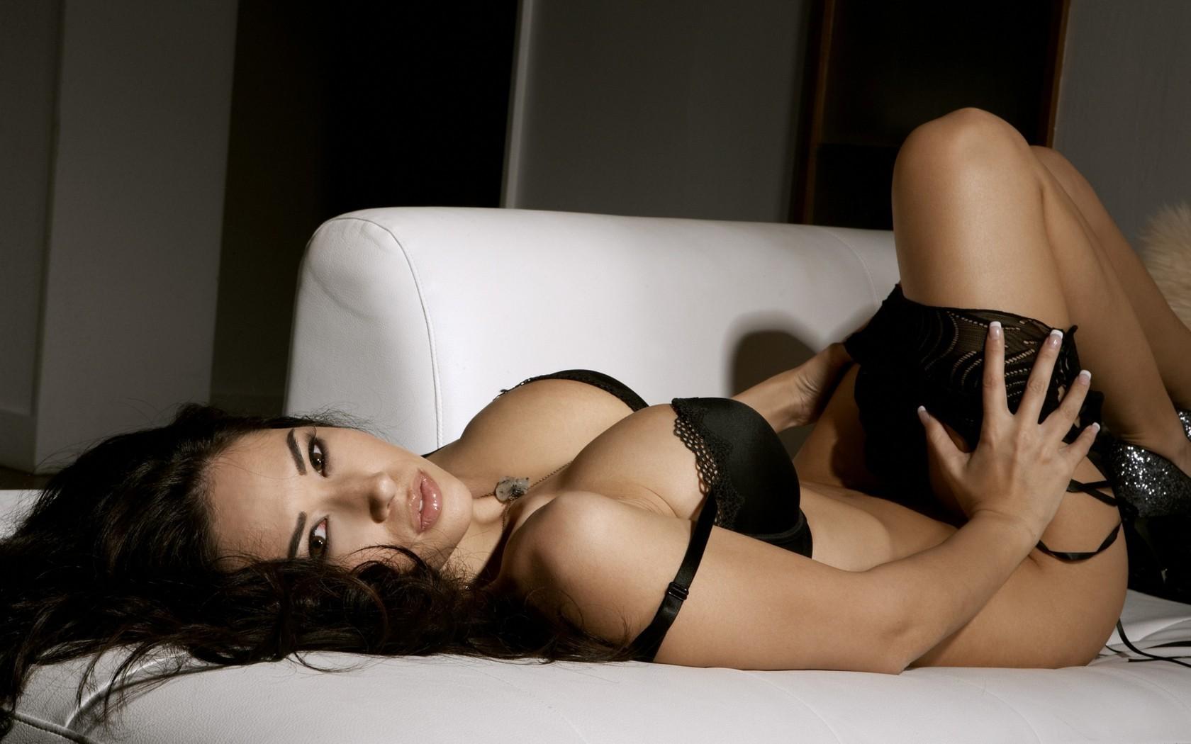 Сексуальные женские интимные фото, фото из порнухи на крыше дома