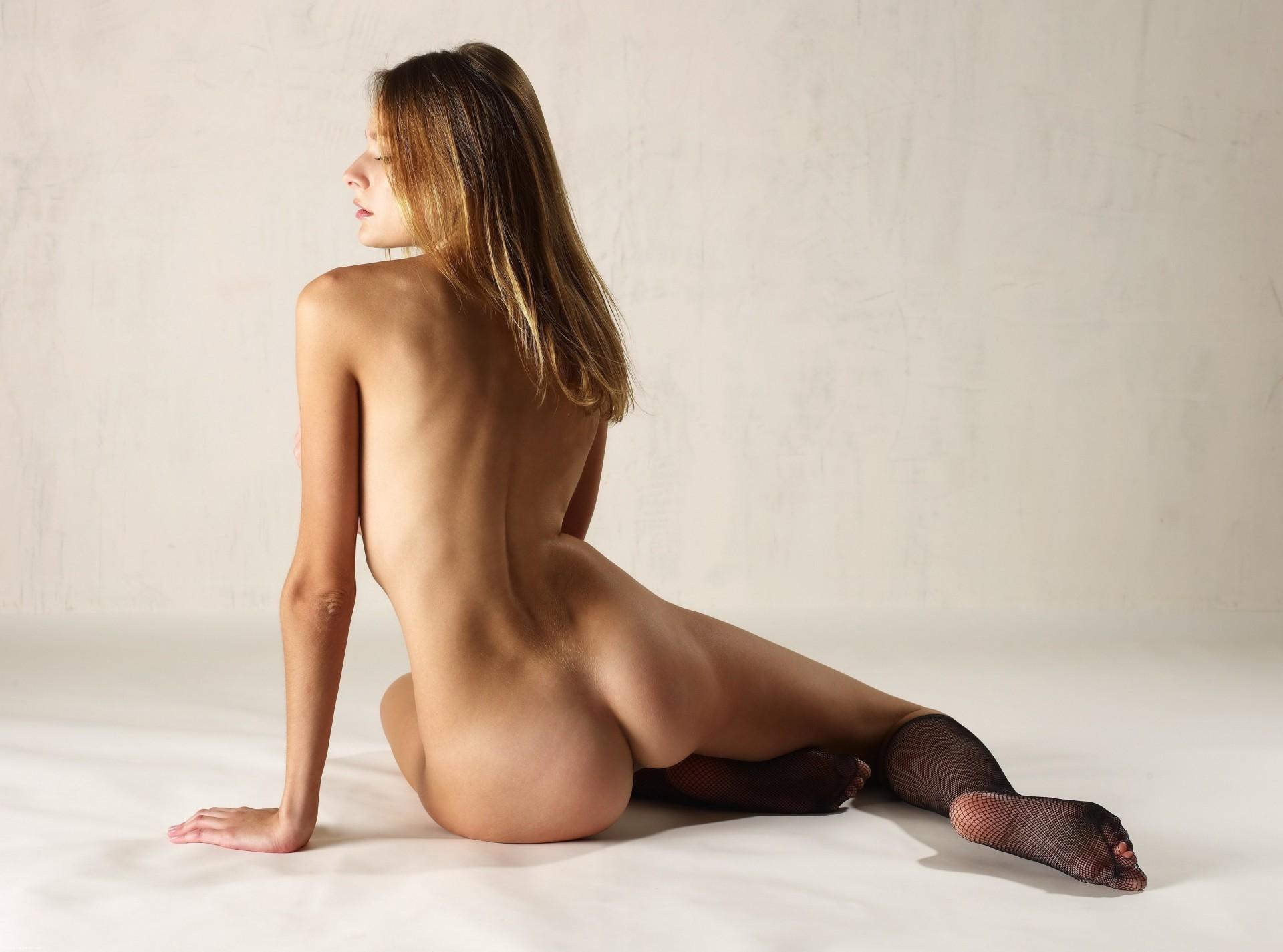 что стройные девушки эротические фото что
