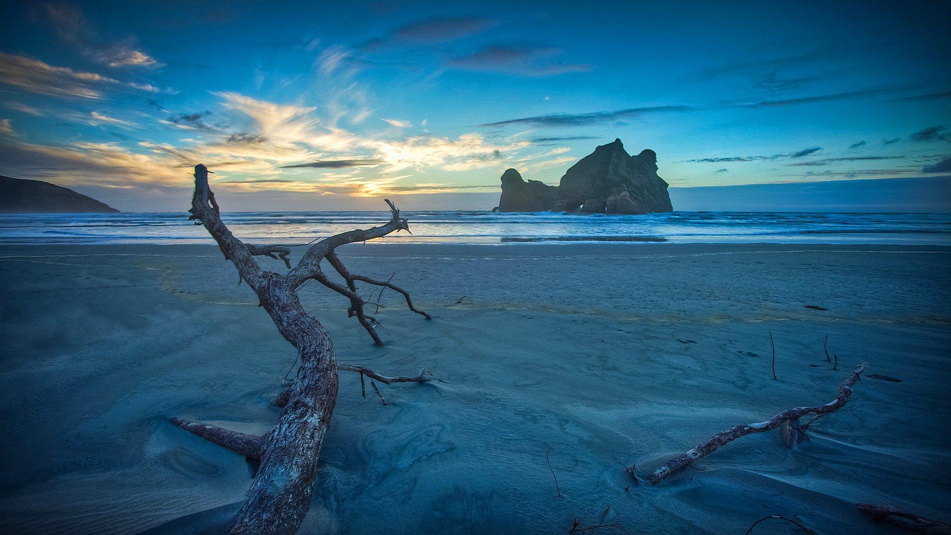 Скалы закат небо облака море скачать