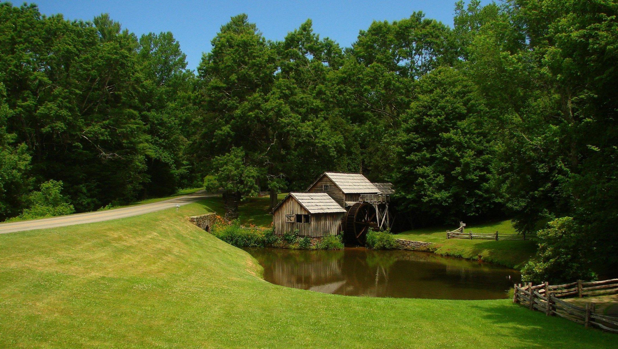 природа озеро дом лес деревья  № 2447897 бесплатно