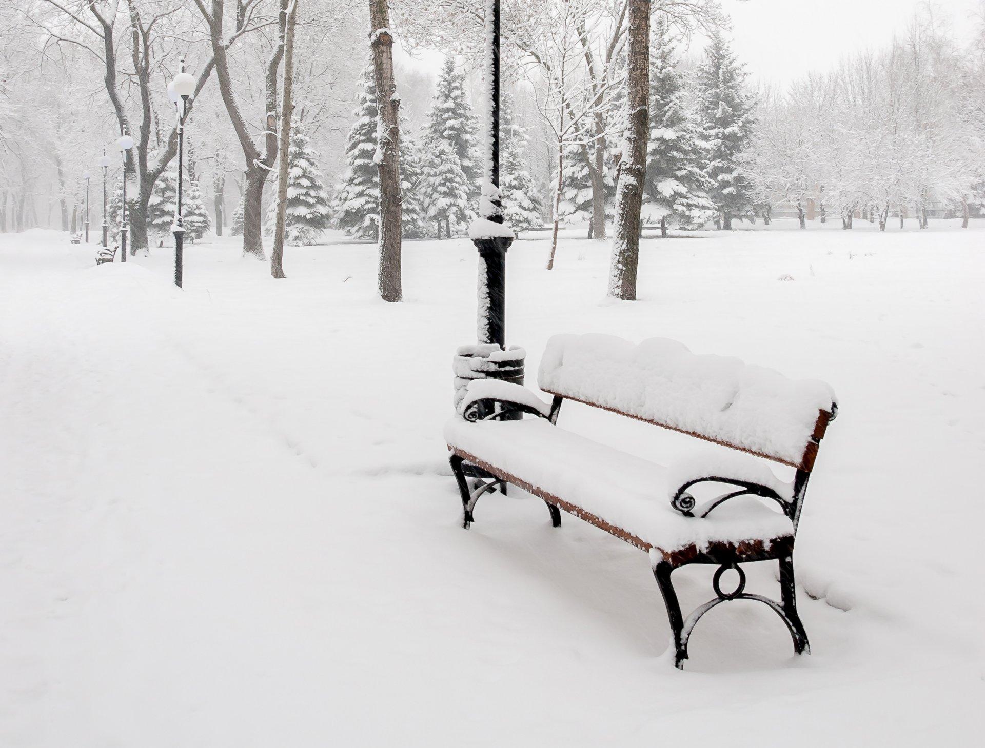 фото скамейка зимой названием ботинки чукка