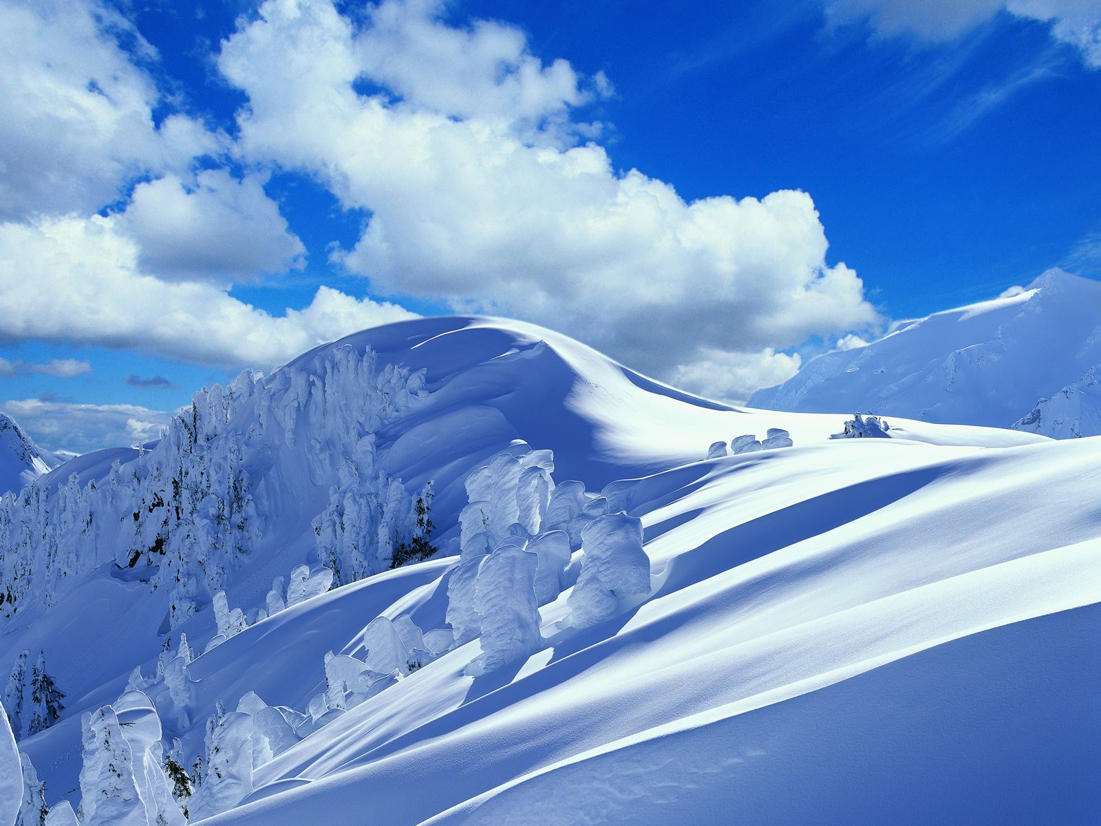 снег зима горы тучи скачать