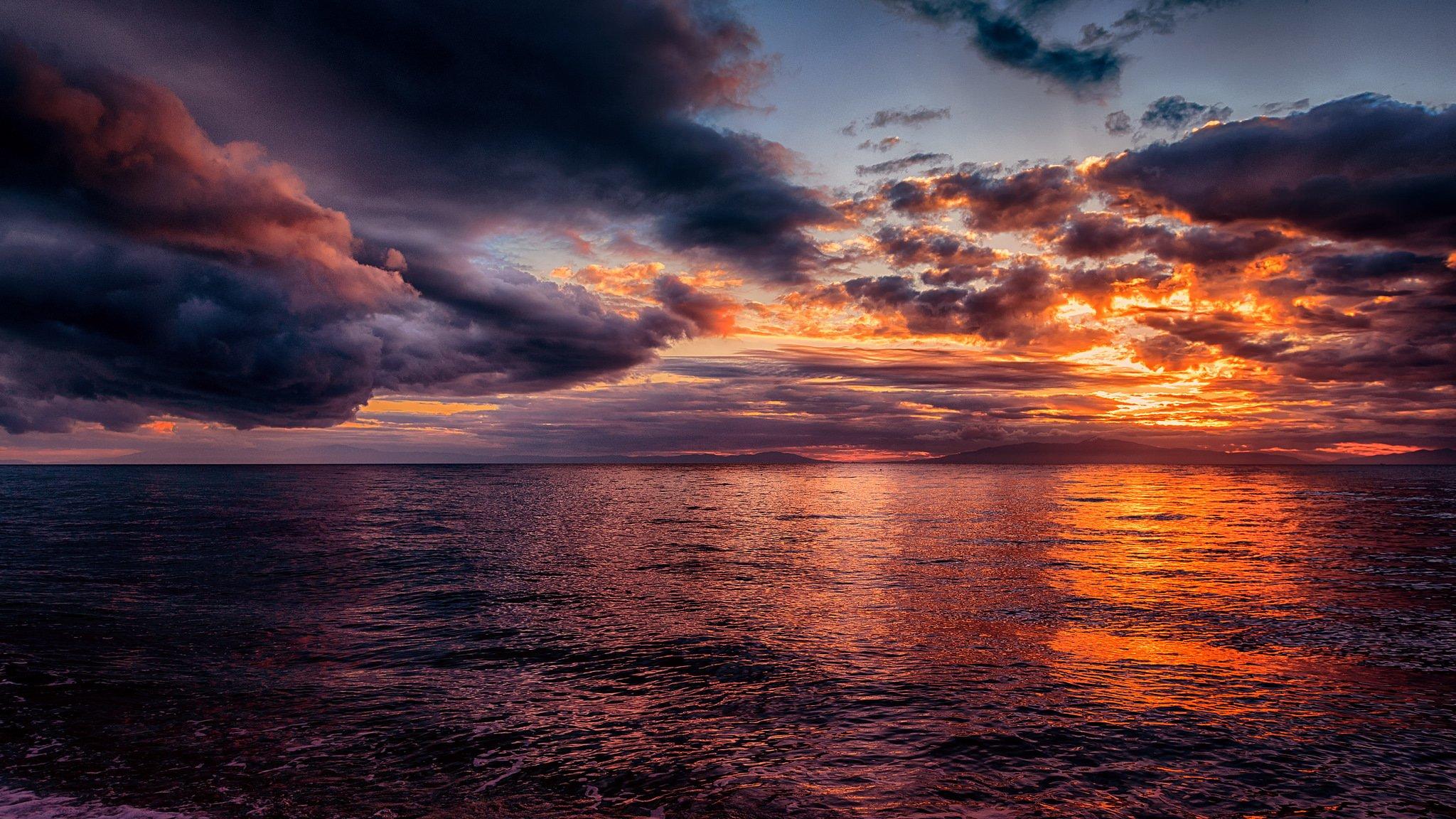 Не спокойное море в лучах заката  № 3849252  скачать