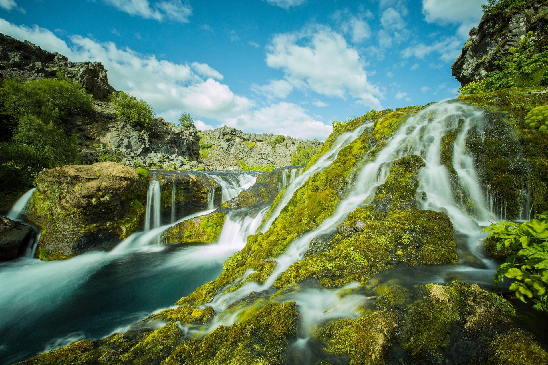 vodopad-v-gorah