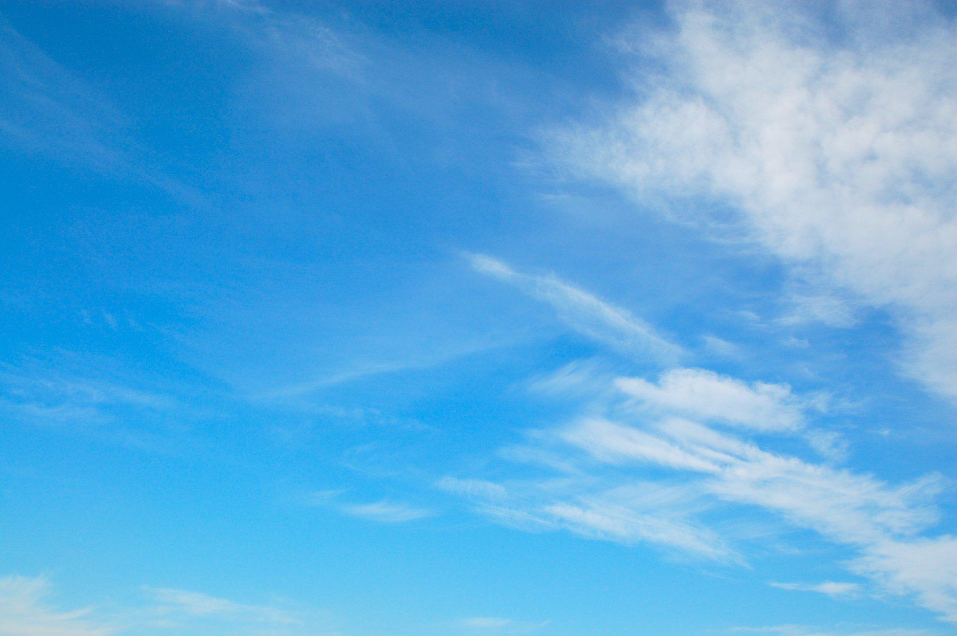 голубое небо облака бесконечность HD обои для ноутбука