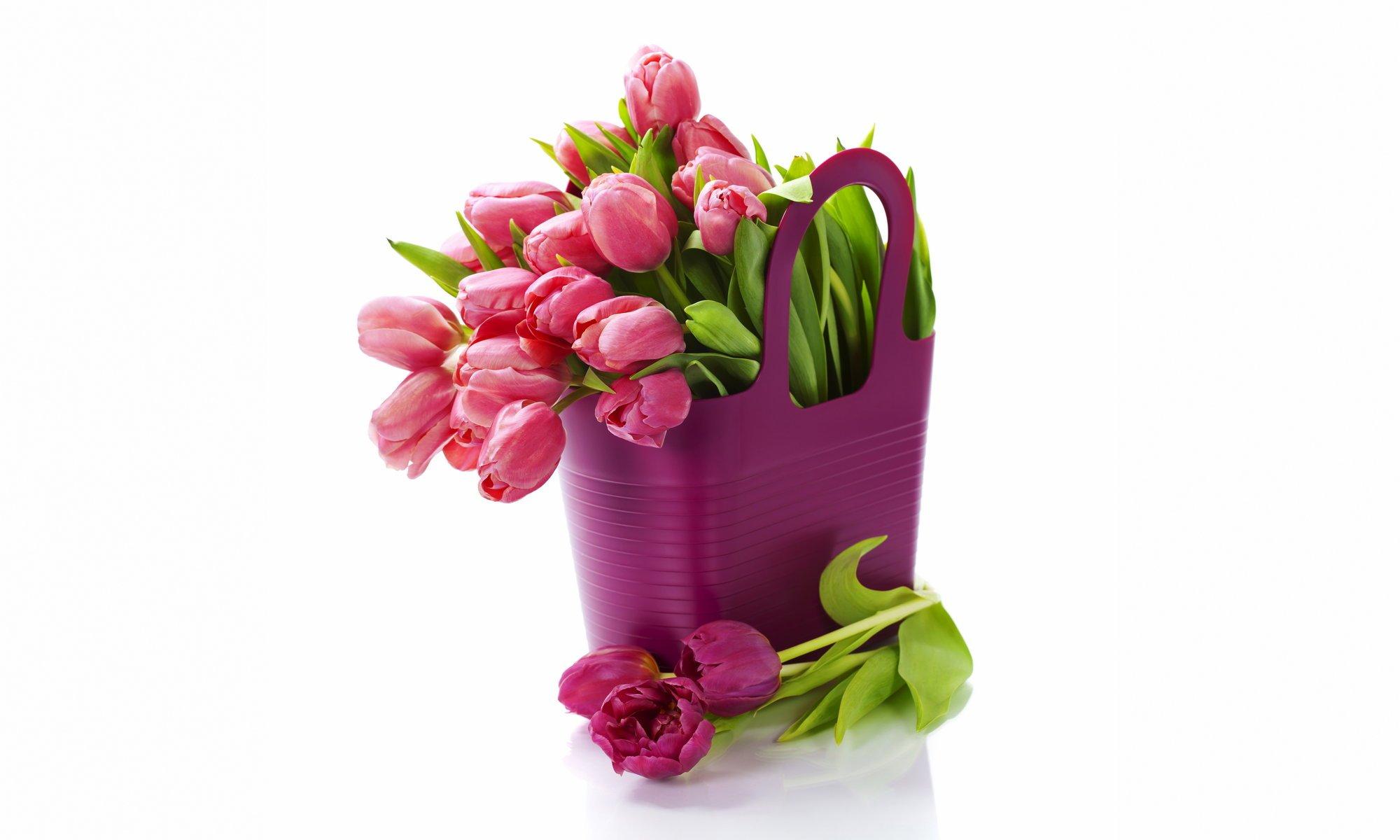Картинки на 8 марта цветы в вазе