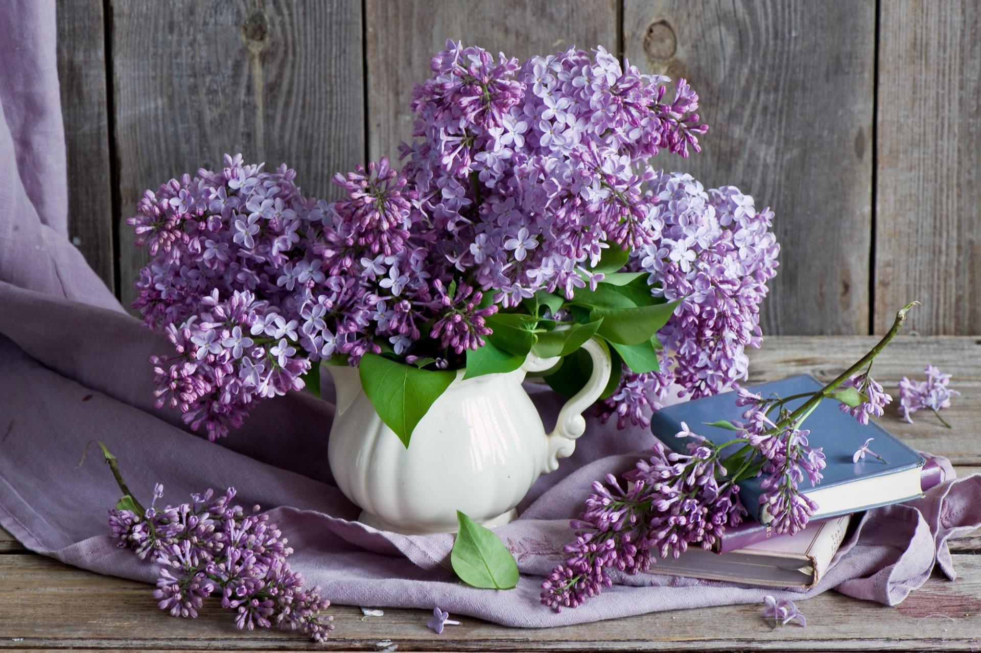 природа цветы ваза сирень  № 3063875  скачать