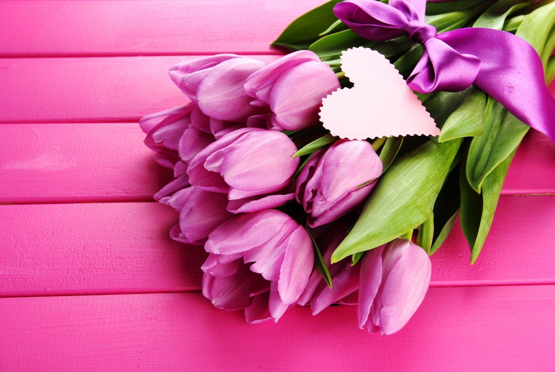 Открытка из цветов тюльпаны