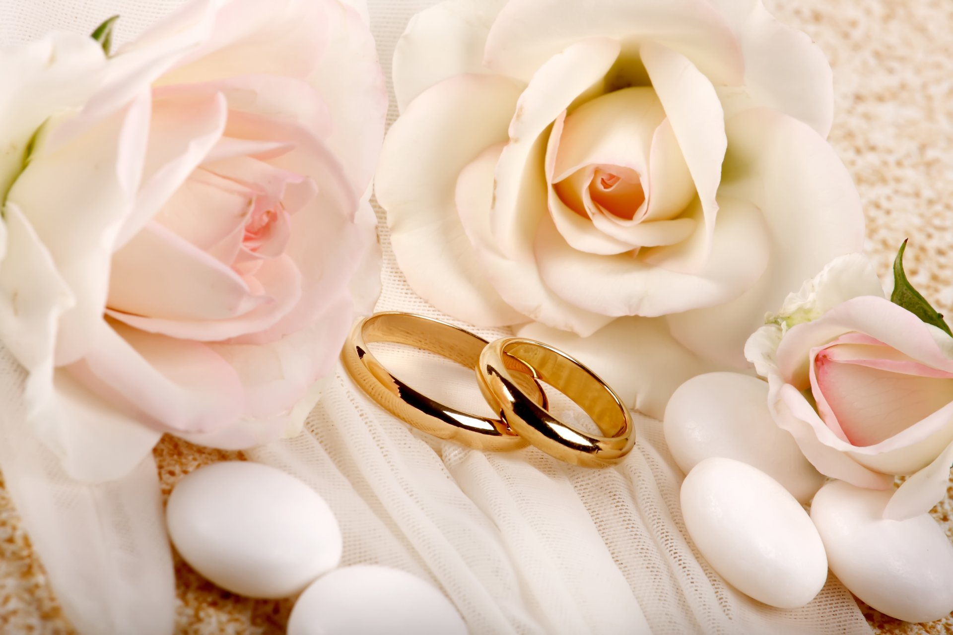 Поздравления друзьям с годовщиной свадьбы своими словами 49