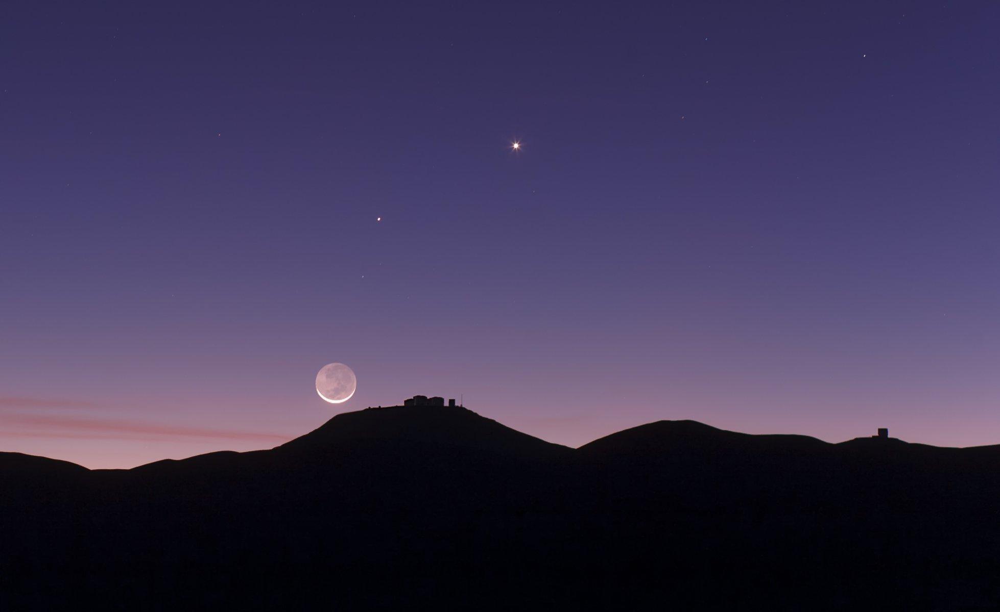 планеты на ночном небе фото