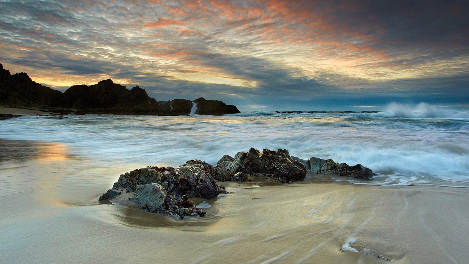 Скалы камни закат на берегу смотреть