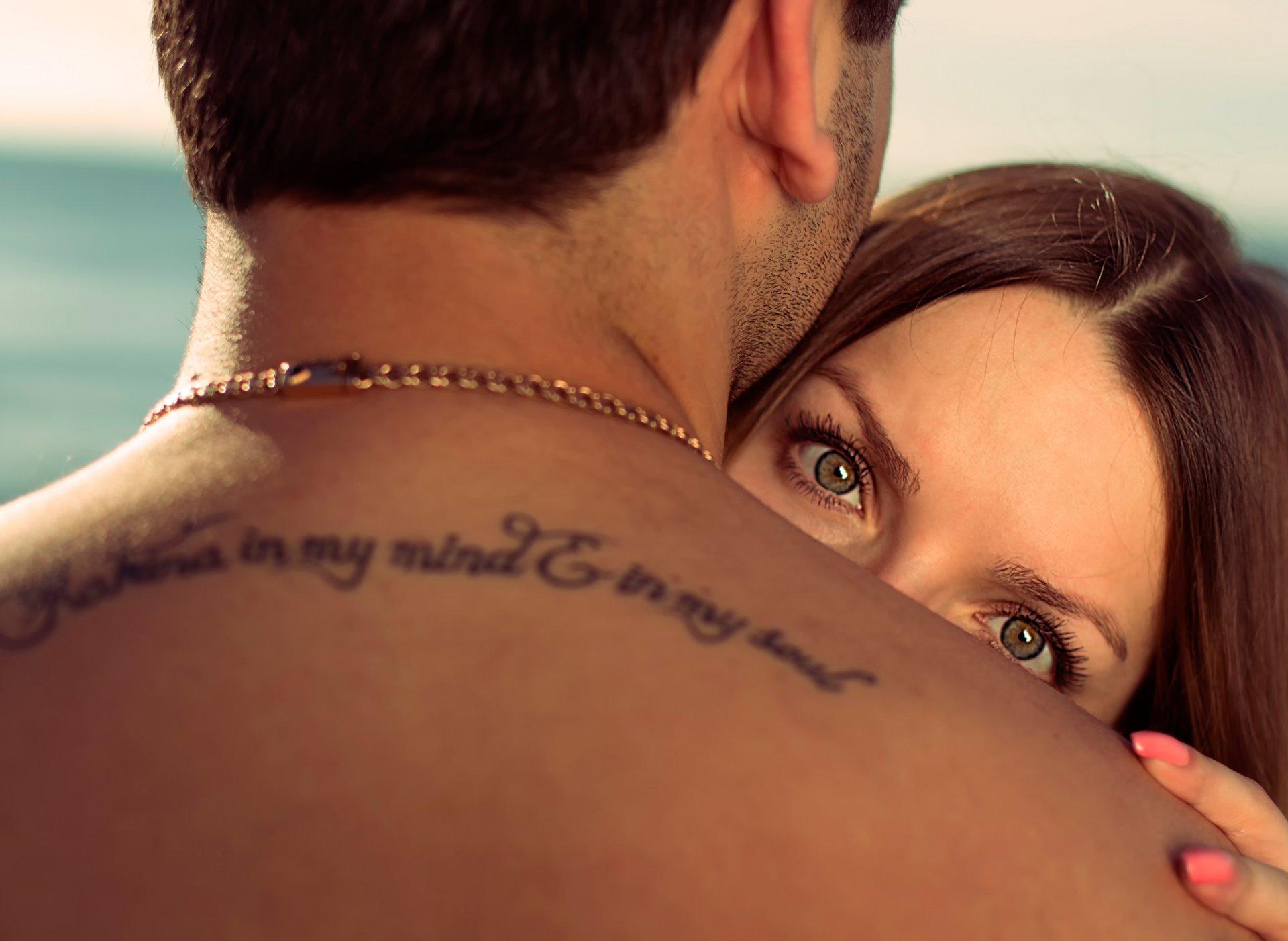 Фото с татуировками девушка и парень