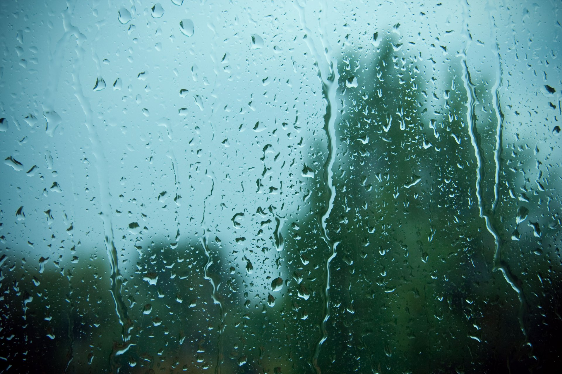 Картинки про дождь на стекле