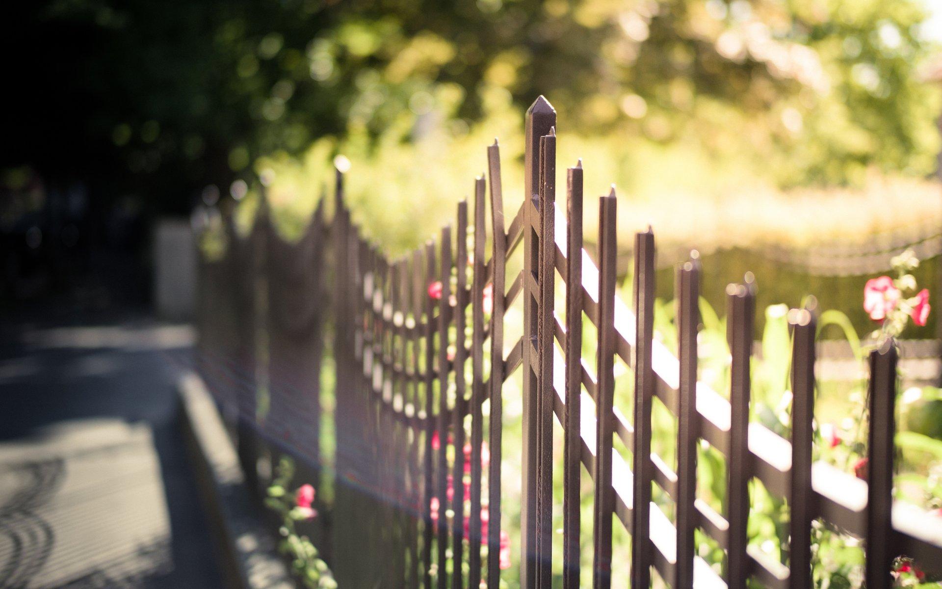 Обои забор, улица, цветы. Города foto 18