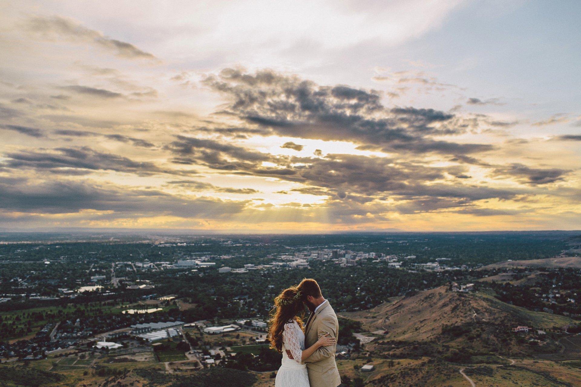 Обои венок, жених, Облака, влюбленные, невеста. Разное foto 12