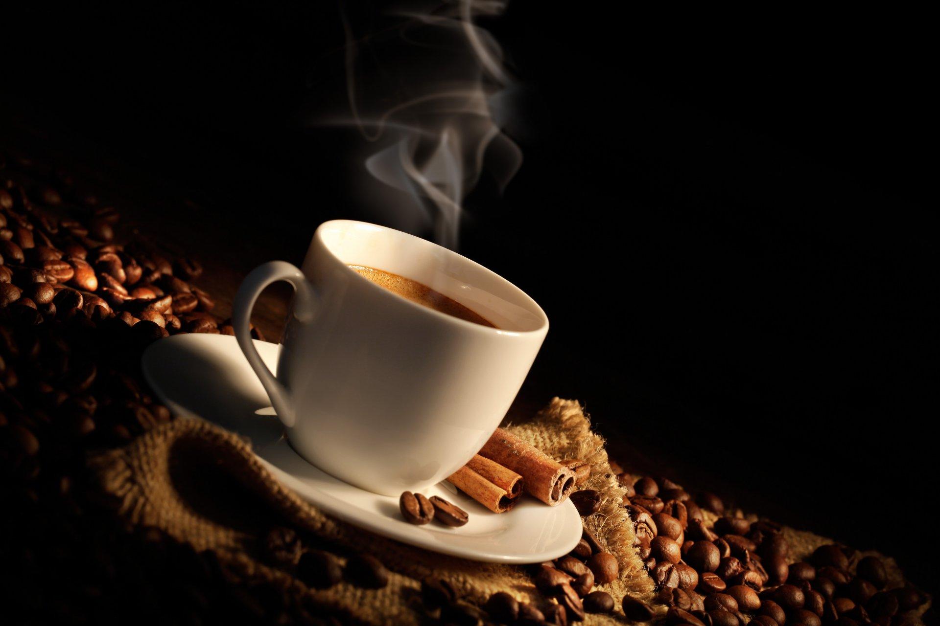 Обои кофе, зерна, блюдце, палочки корицы. Еда foto 16