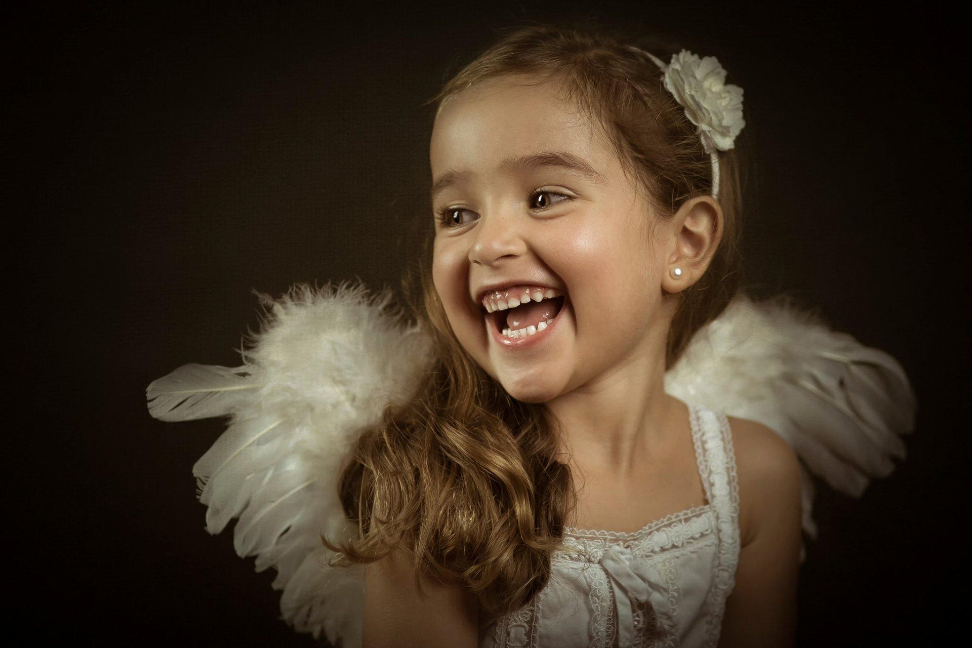 Смешные картинки с девочкой которая улыбается, днем свадьбы