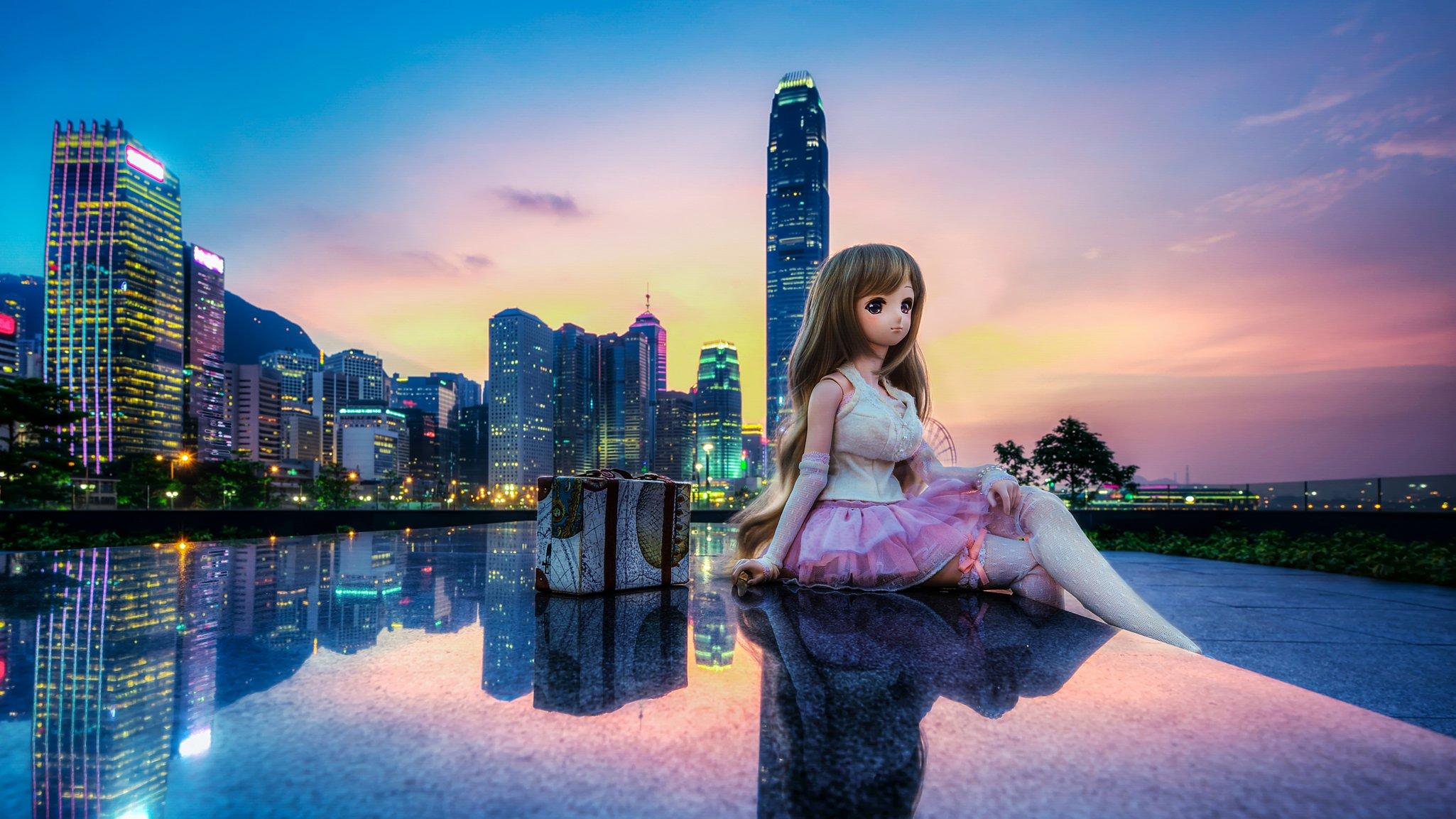 Красивая девушка на фоне красивого пейзажа — pic 2