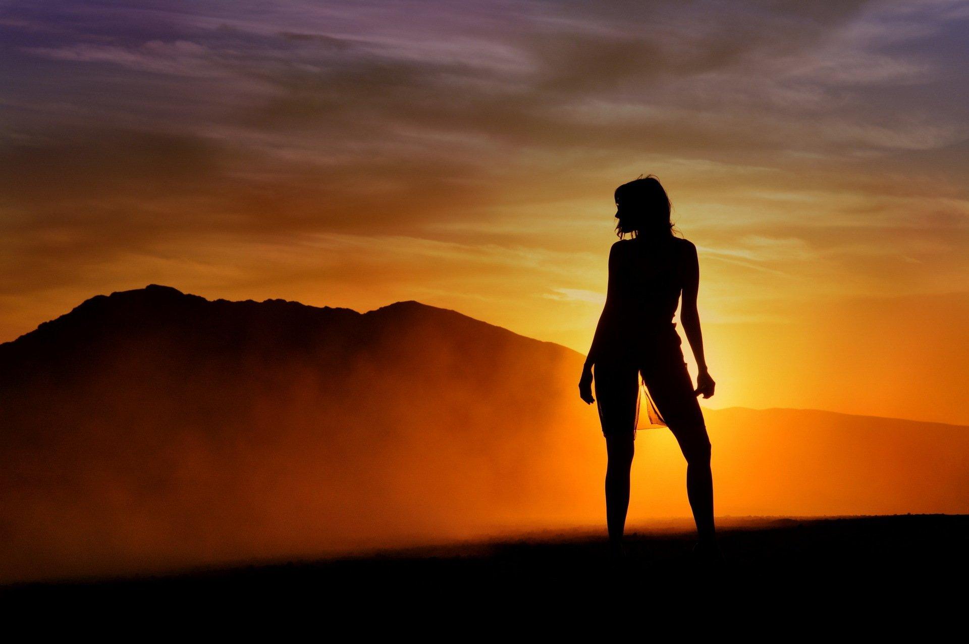 Красивые фото людей на закате