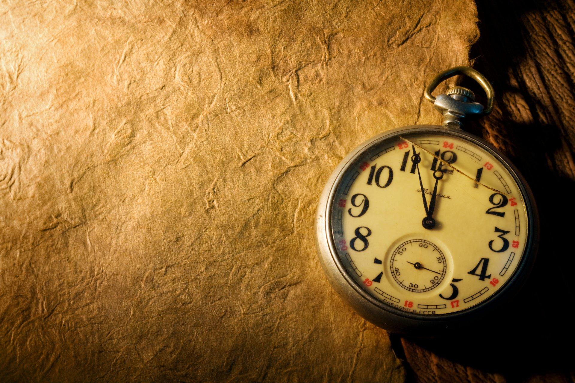Если подаренные часы разбились, даритель поменял свое мнение о владельце презента.