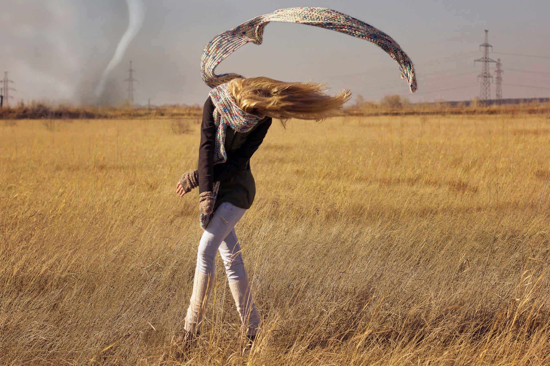 картинка человек на ветру появлением рынке