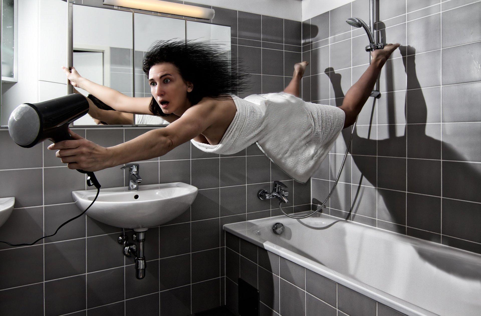 женщина в ванной комнате создали сайт
