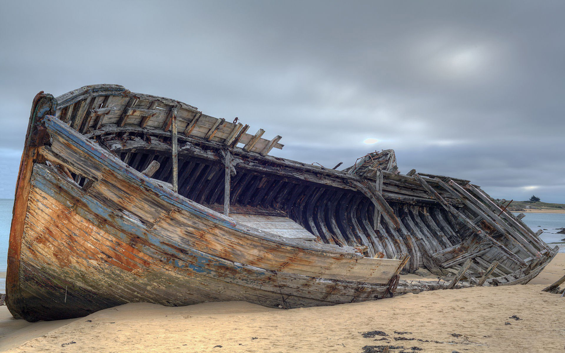 Pictures of sunken ships A Neat Trick To Determine Your Dominant Eye - DIY Photography