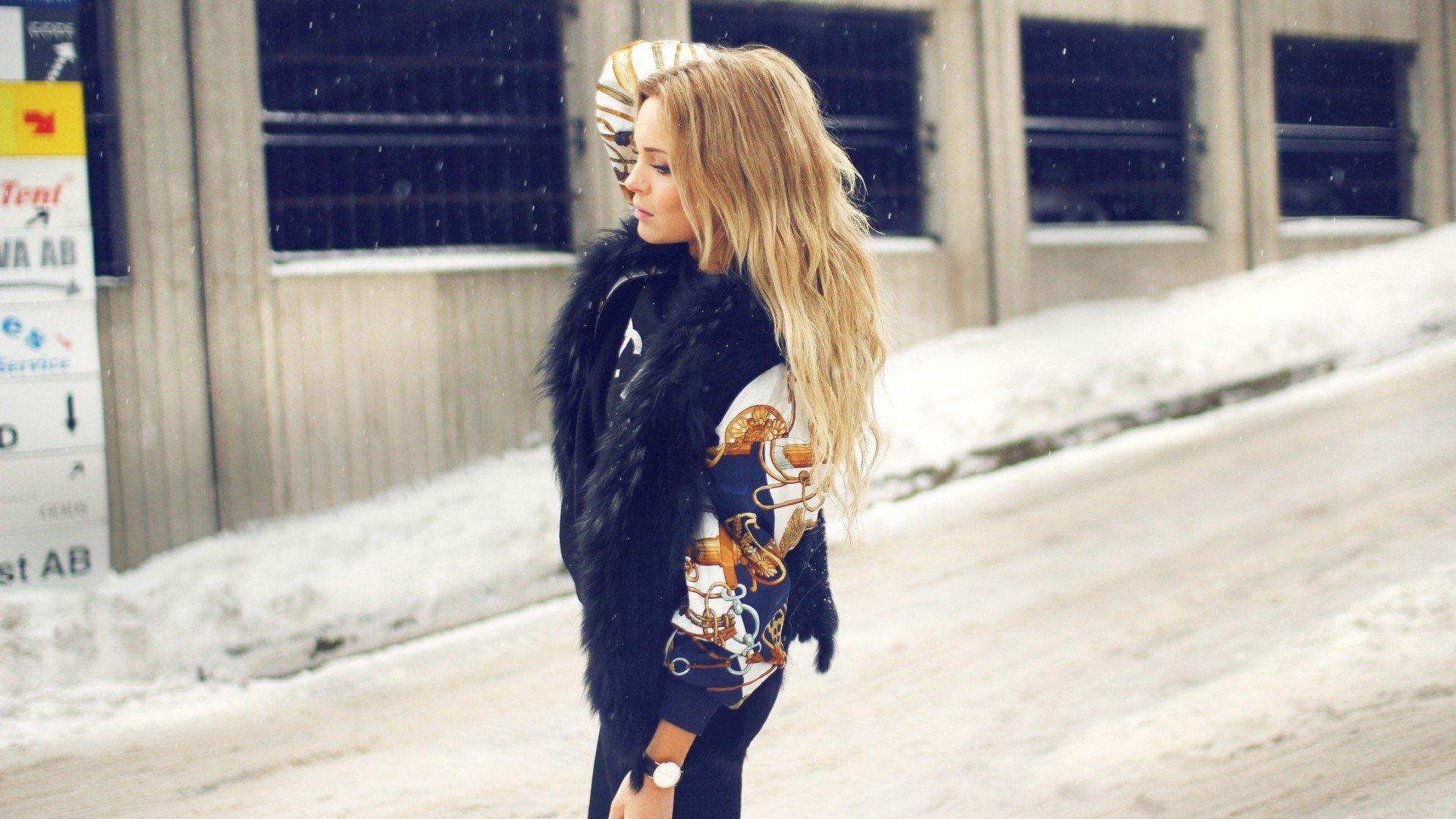 девушка Beeline зима блондинка girl winter blonde бесплатно