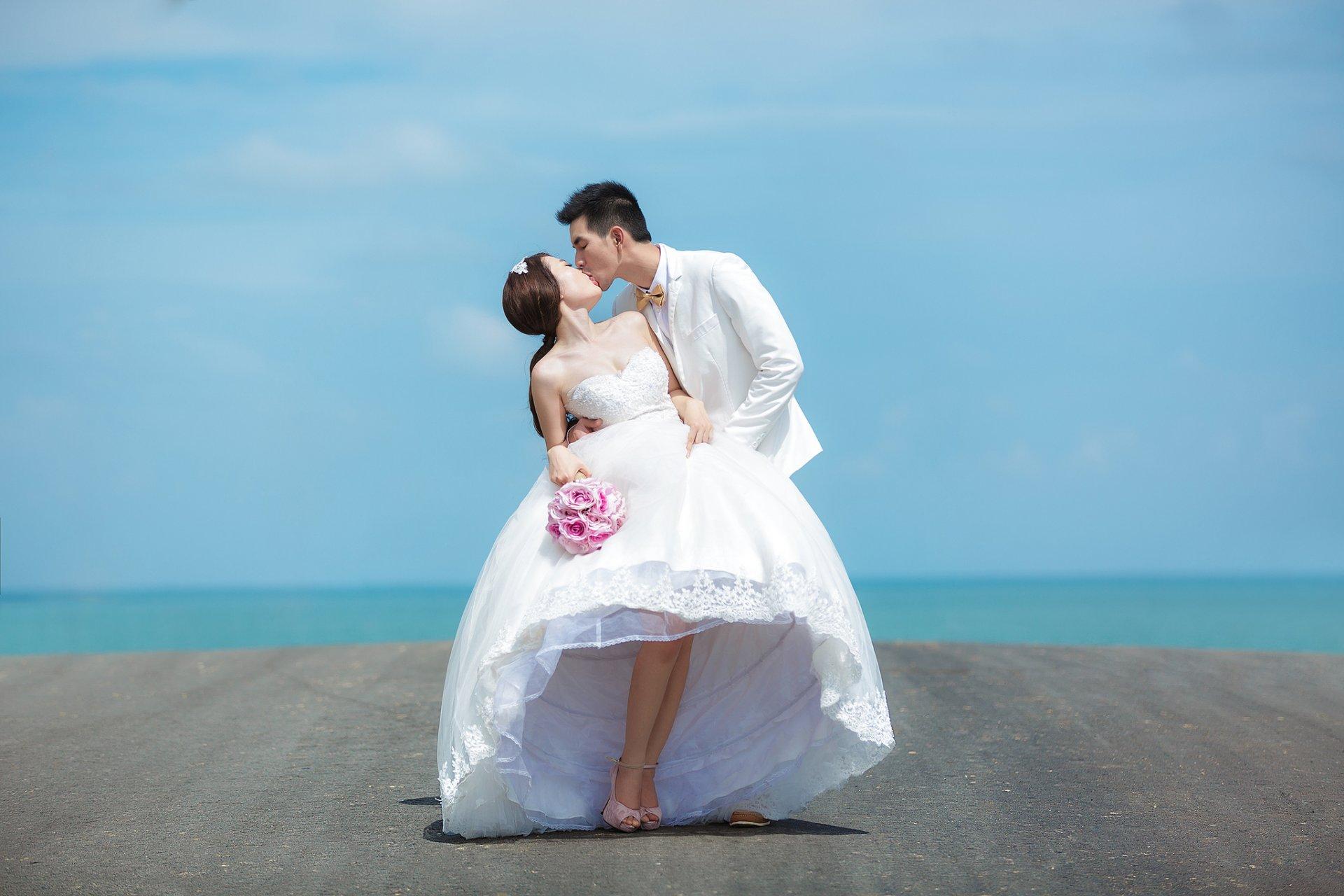 выбирайте фотографии свадебных пар на море она обострена