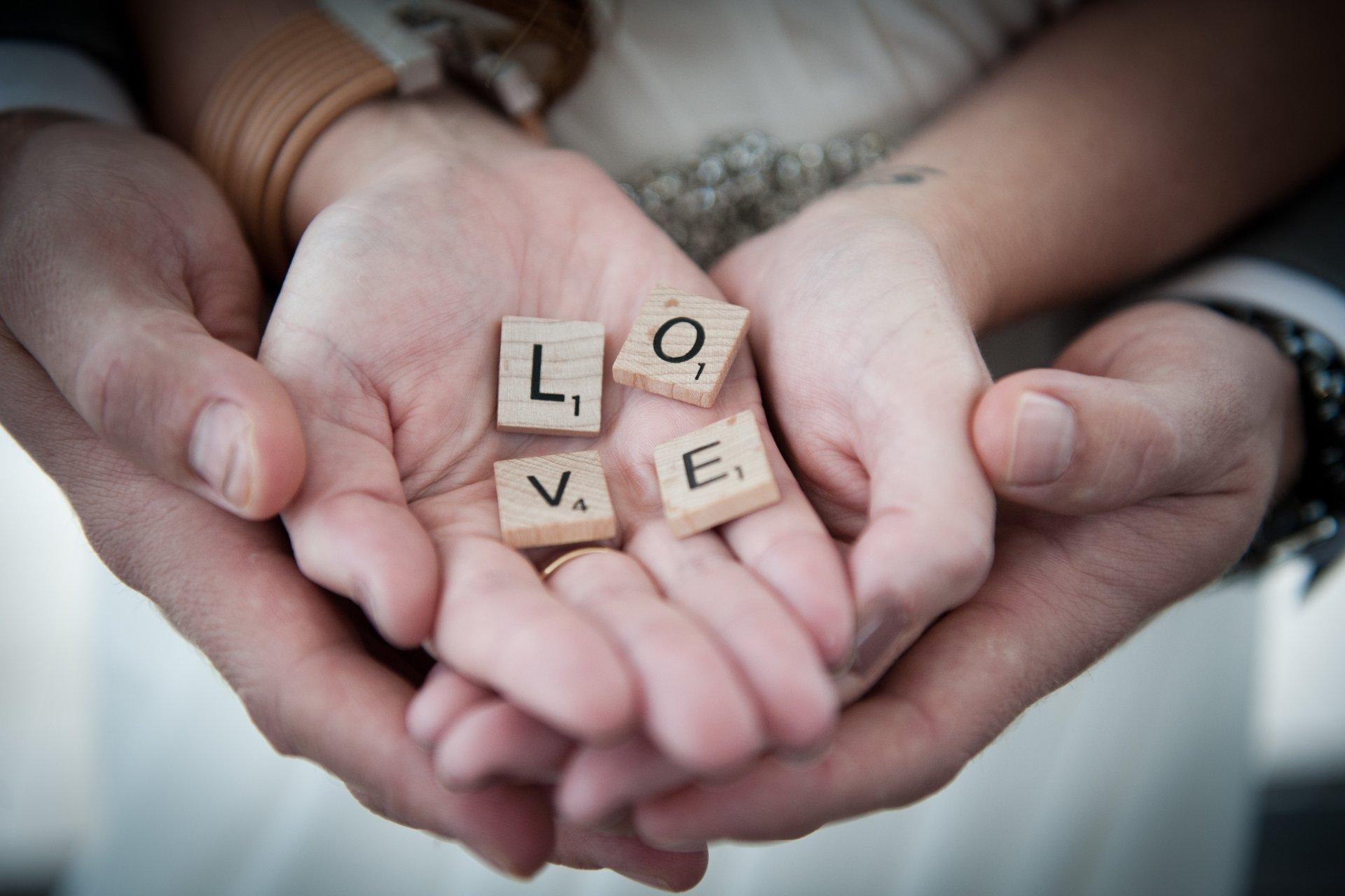 красивые картинки руки влюбленных