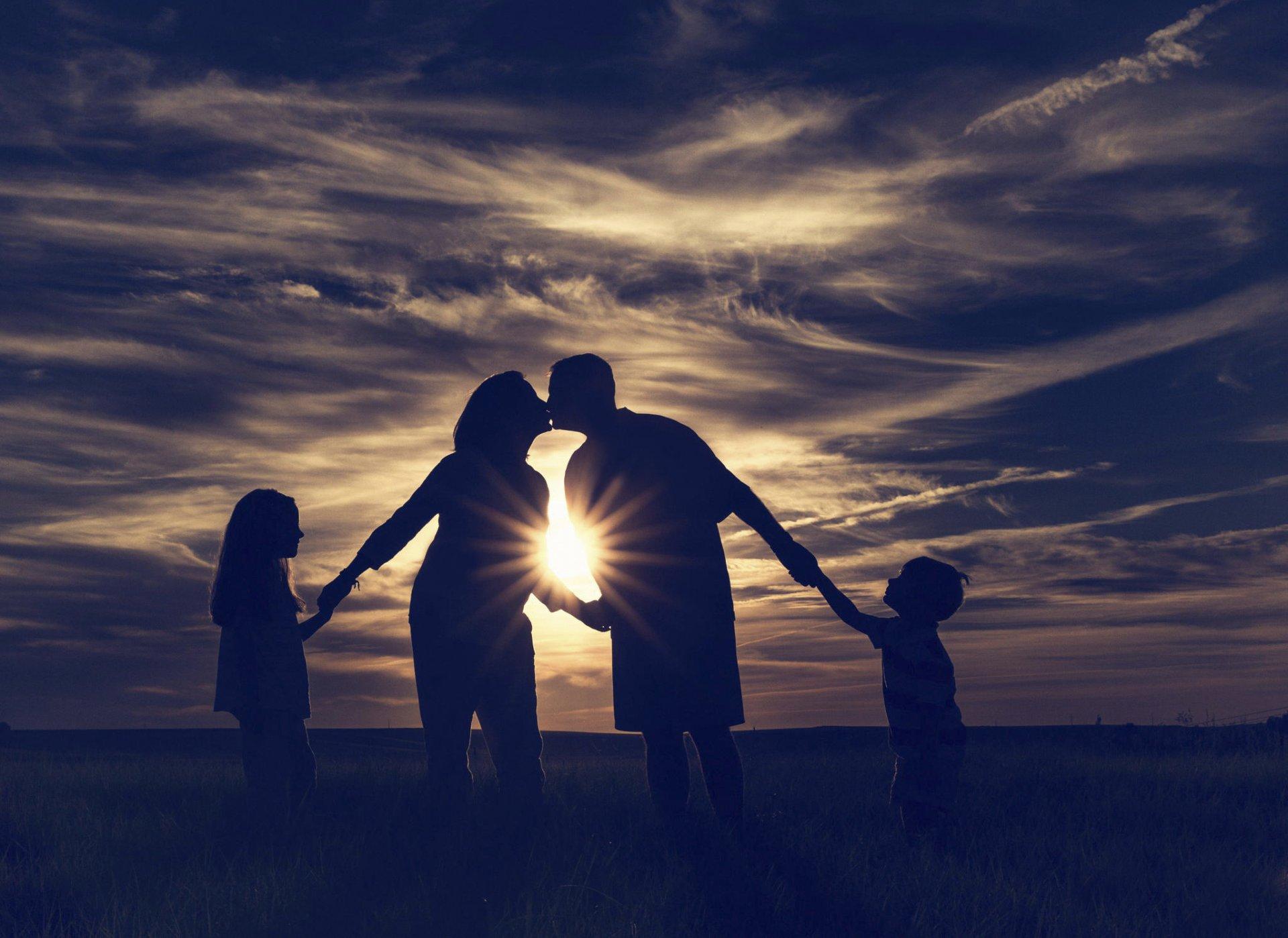Прикольные картинки семейного счастья, простые прикольные картинки