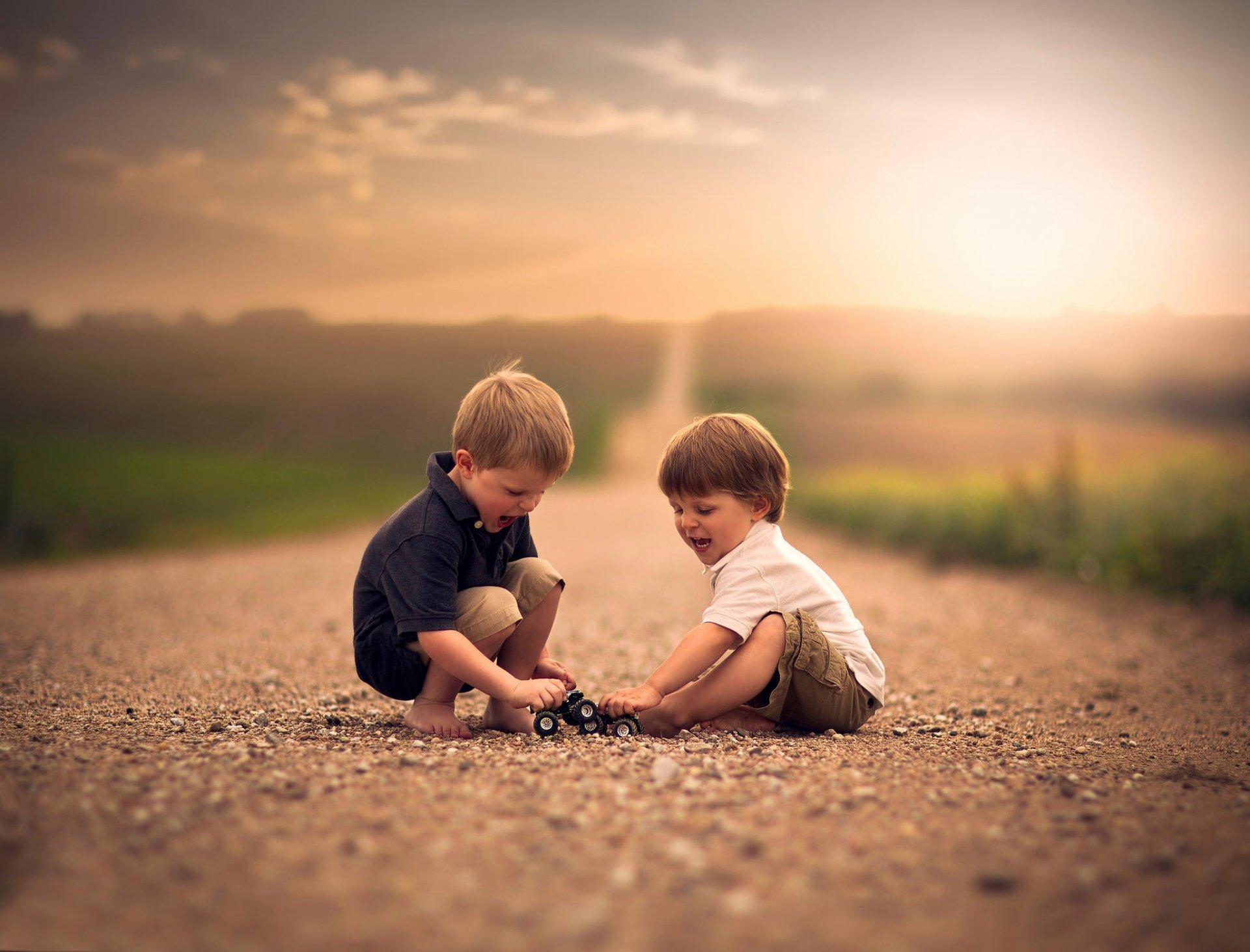 Картинки два друга мальчика