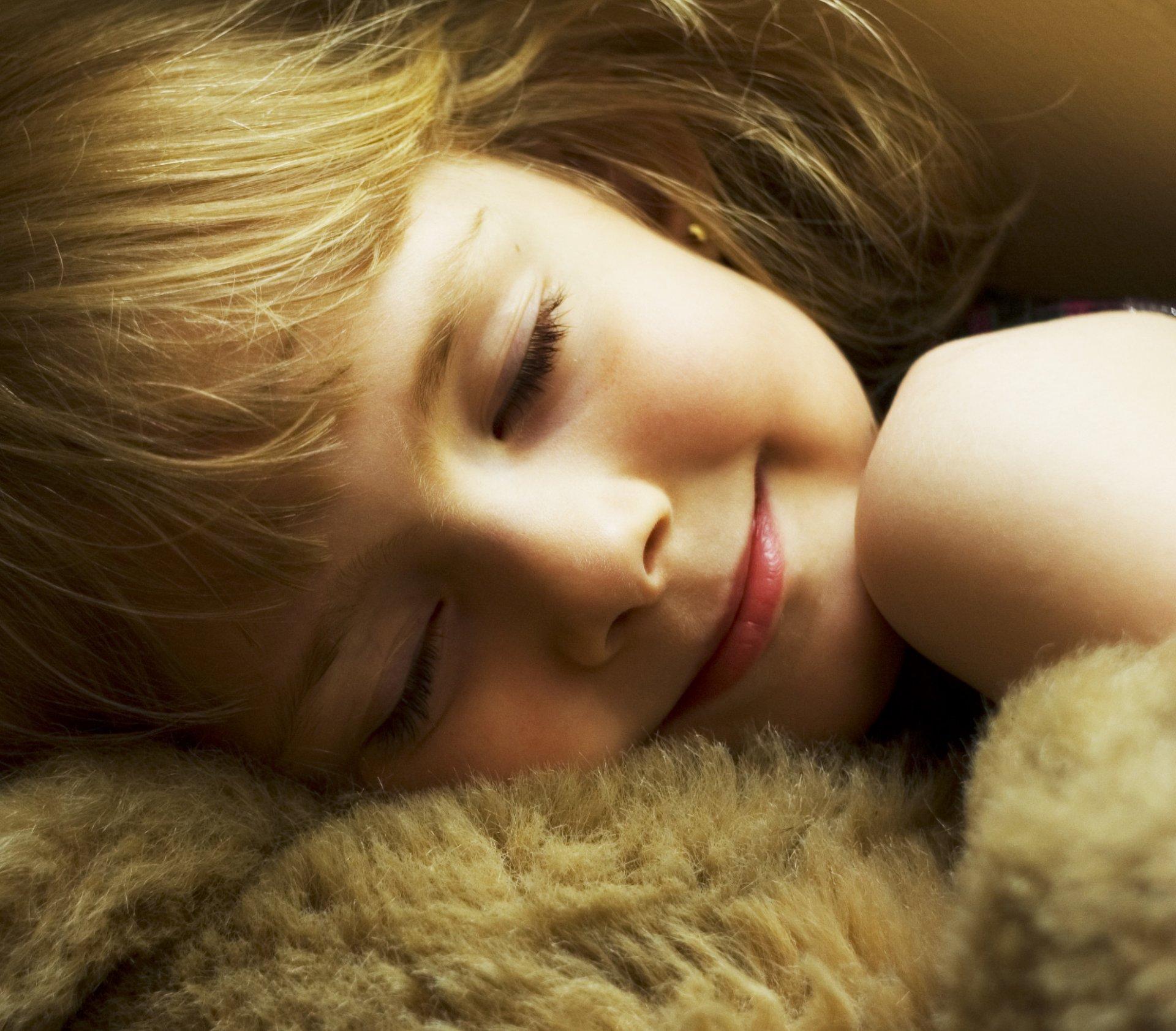 Фото спящих девчат людей