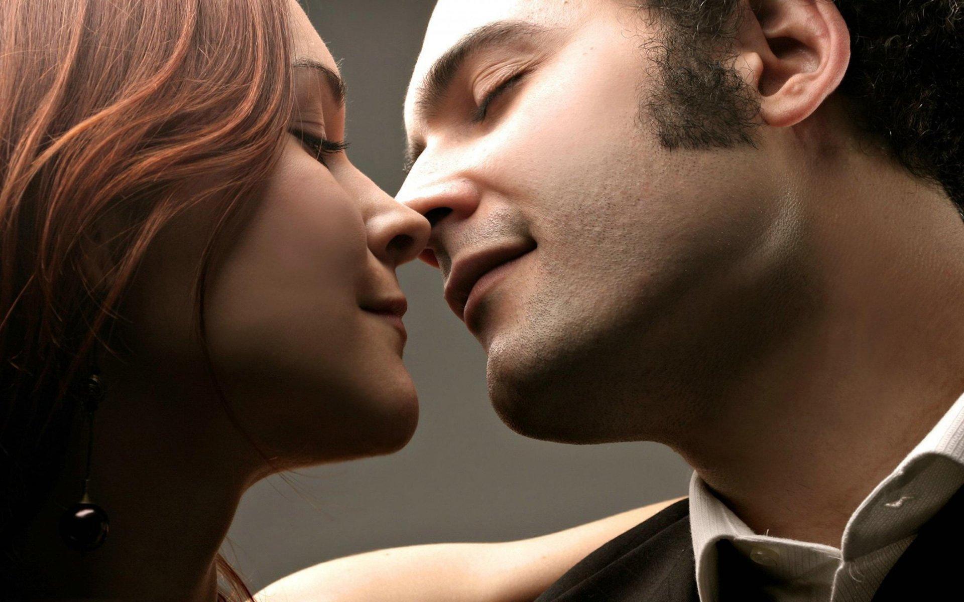Фото о первом поцелуе