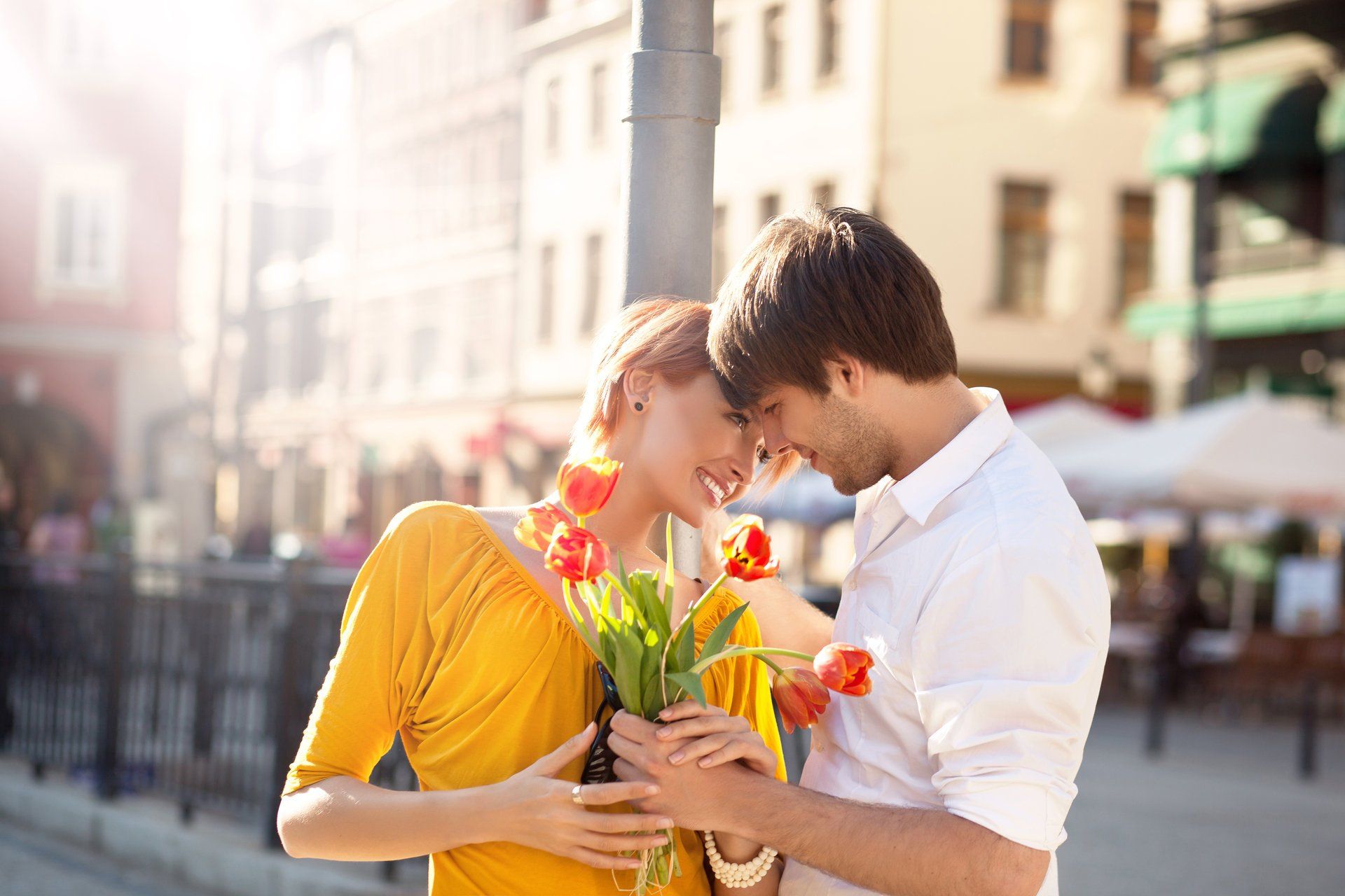 Цветов, какие цветы купить девушке на первом свидании