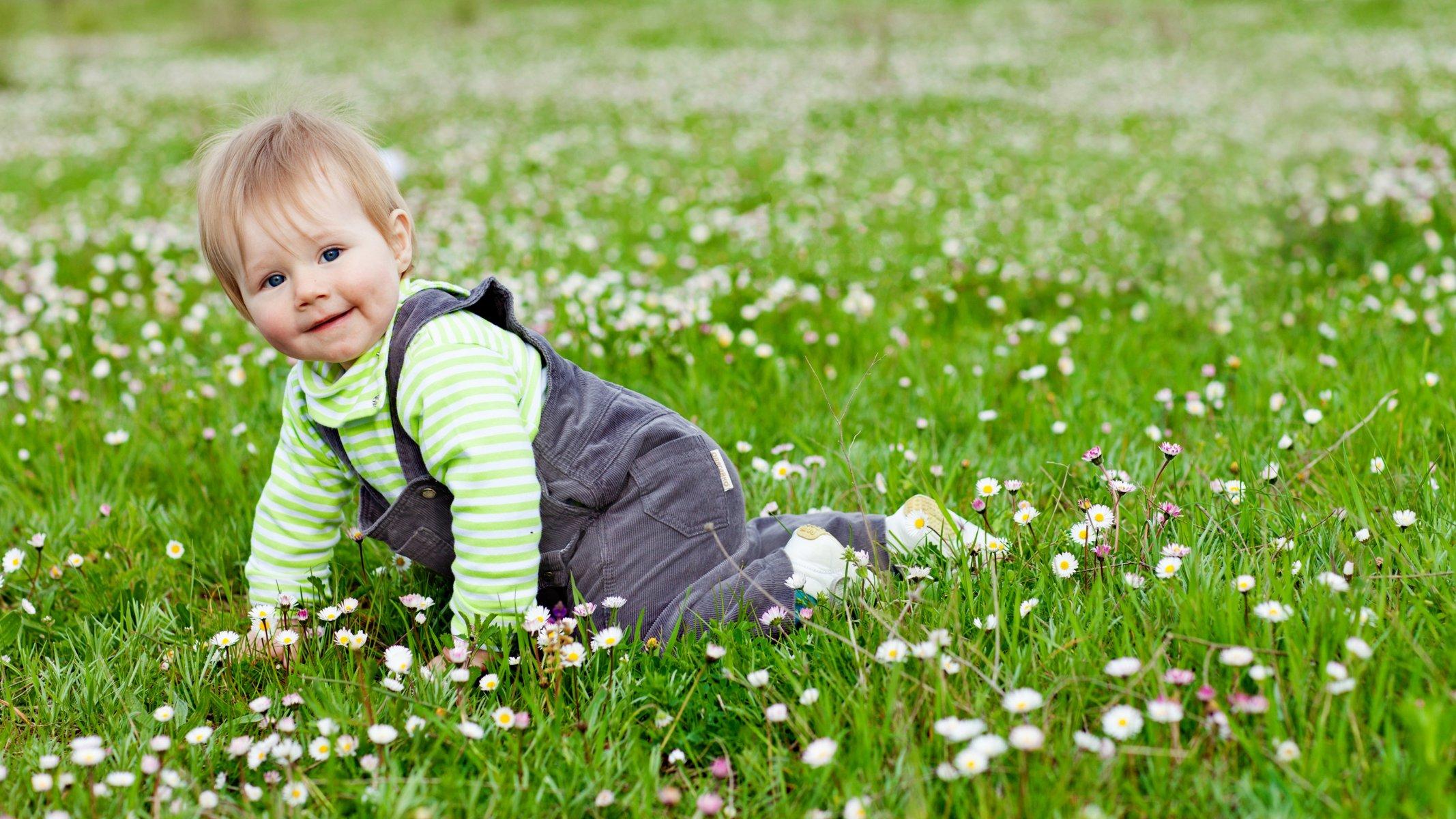 л'этуаль красивые фото с детьми на траве возникает