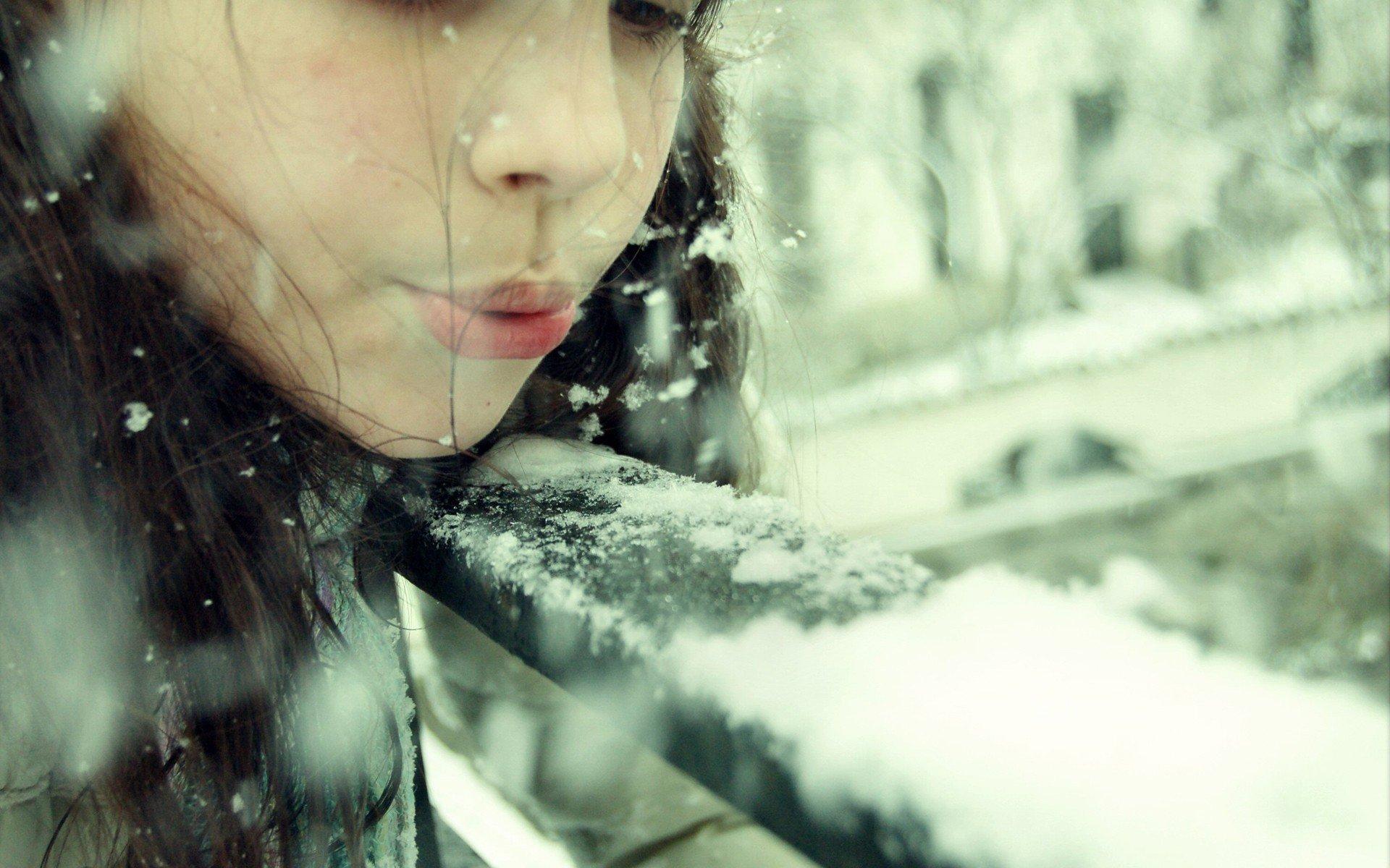 девушка снег капюшон лицо загрузить