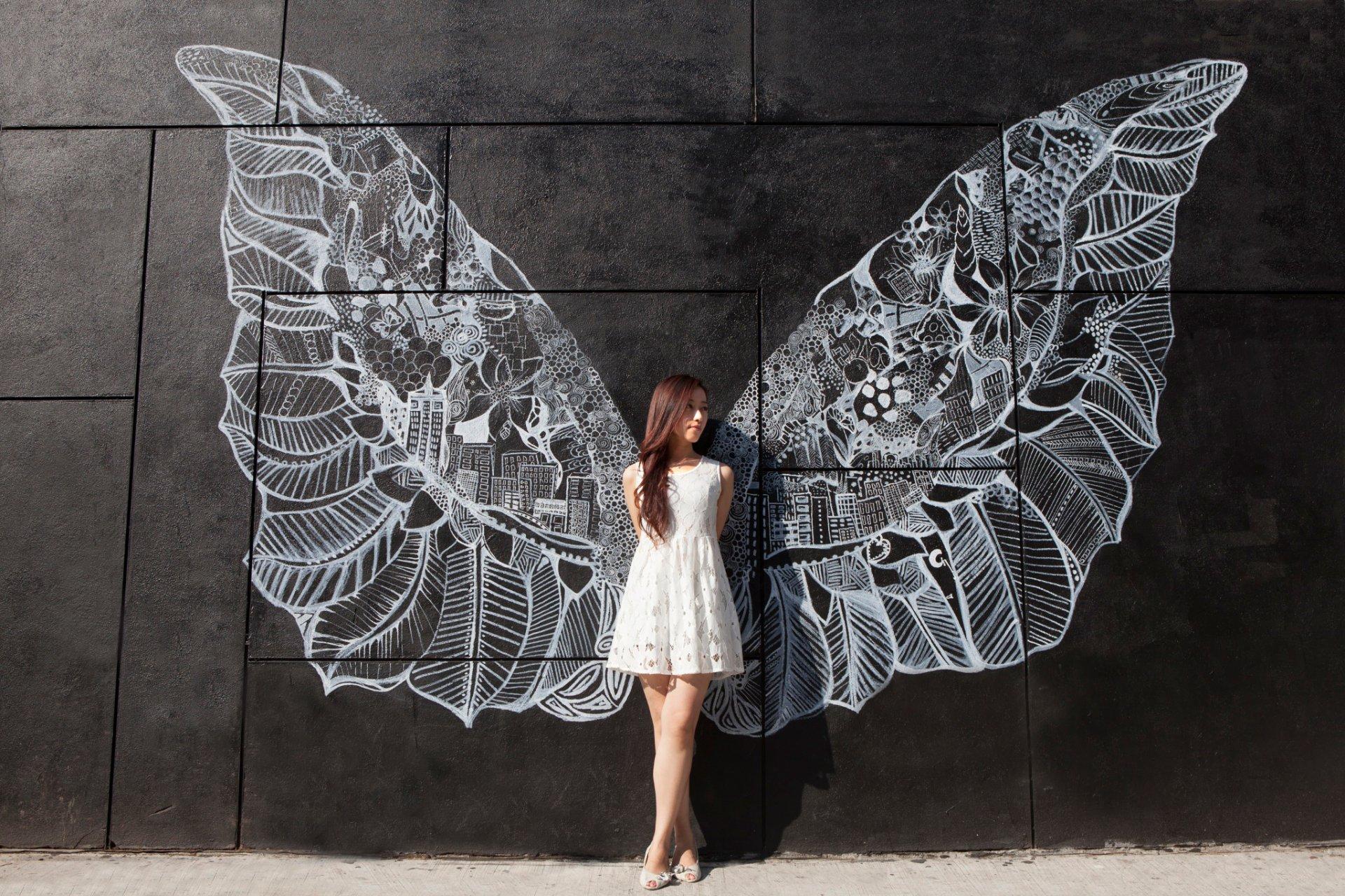 Картинки девушки на стену, дети делают оригами