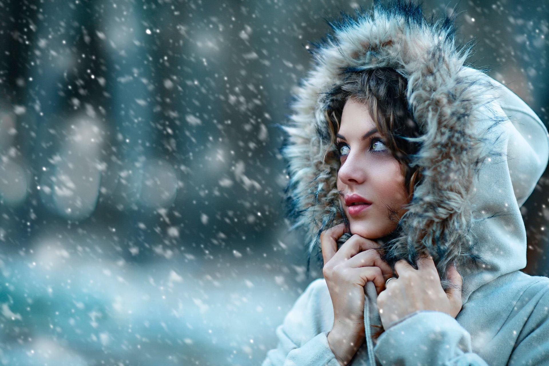Фото девушки зимой вечером