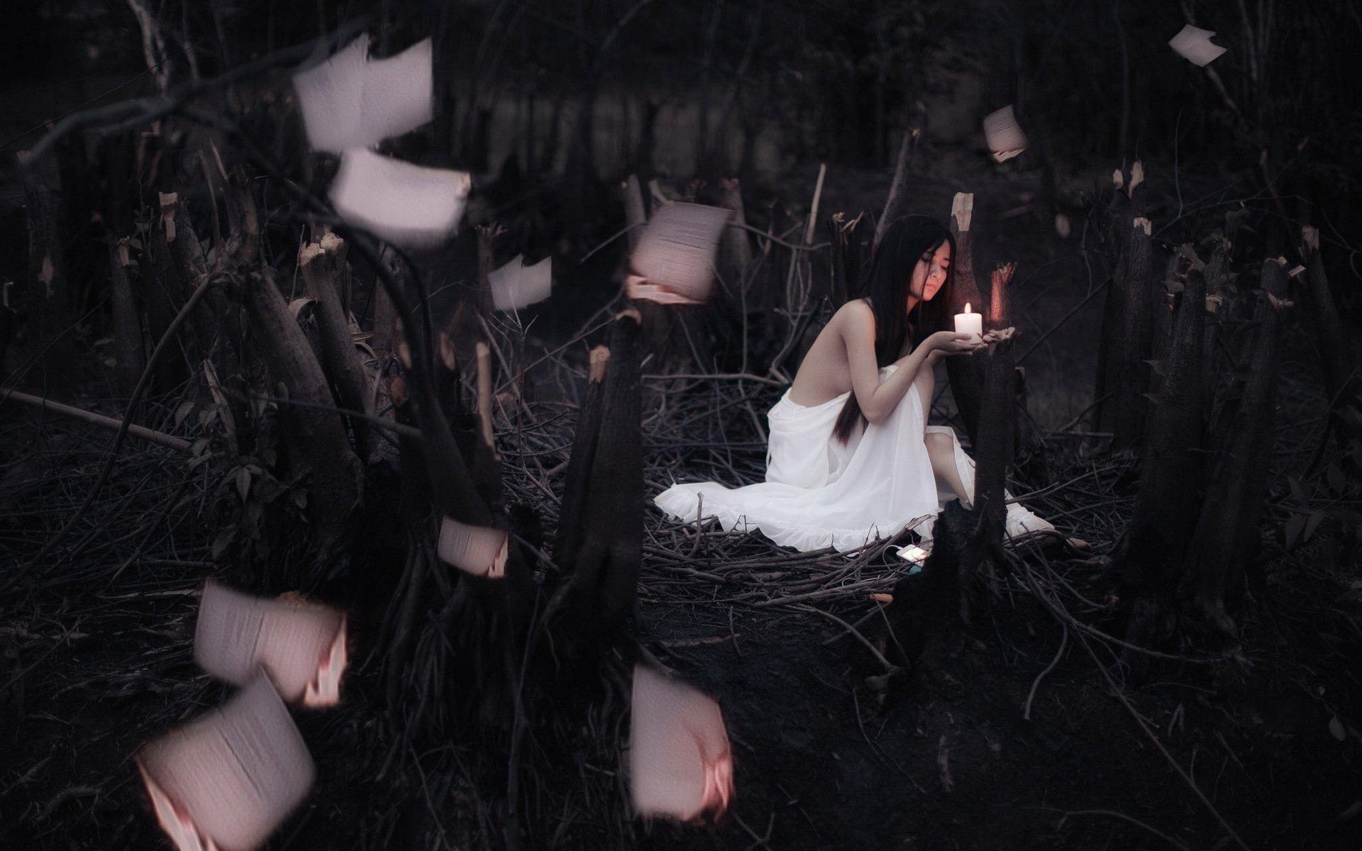 девушка свечи дерево  № 1505271 загрузить