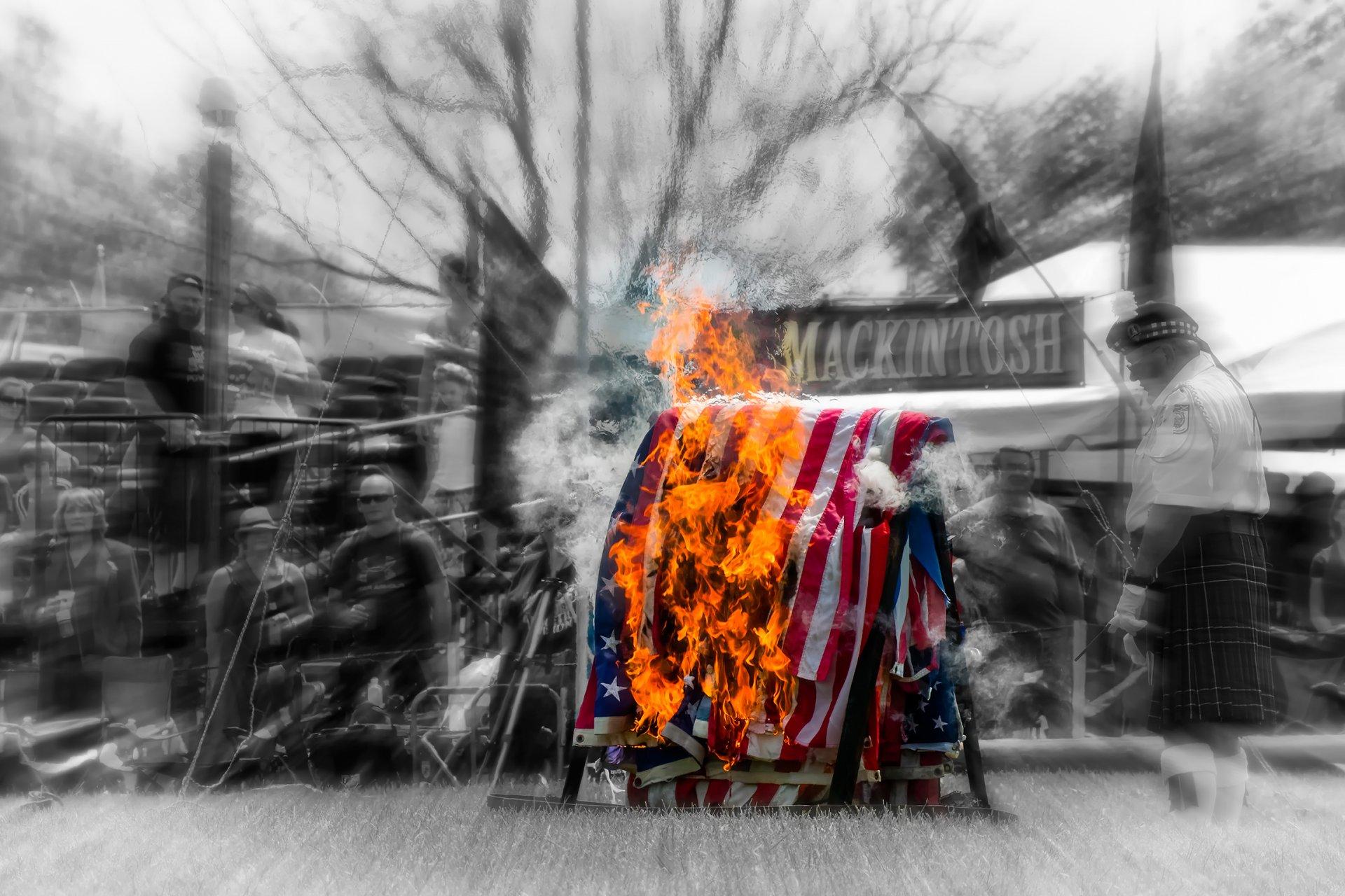 картинки флаг в огне настоящее время