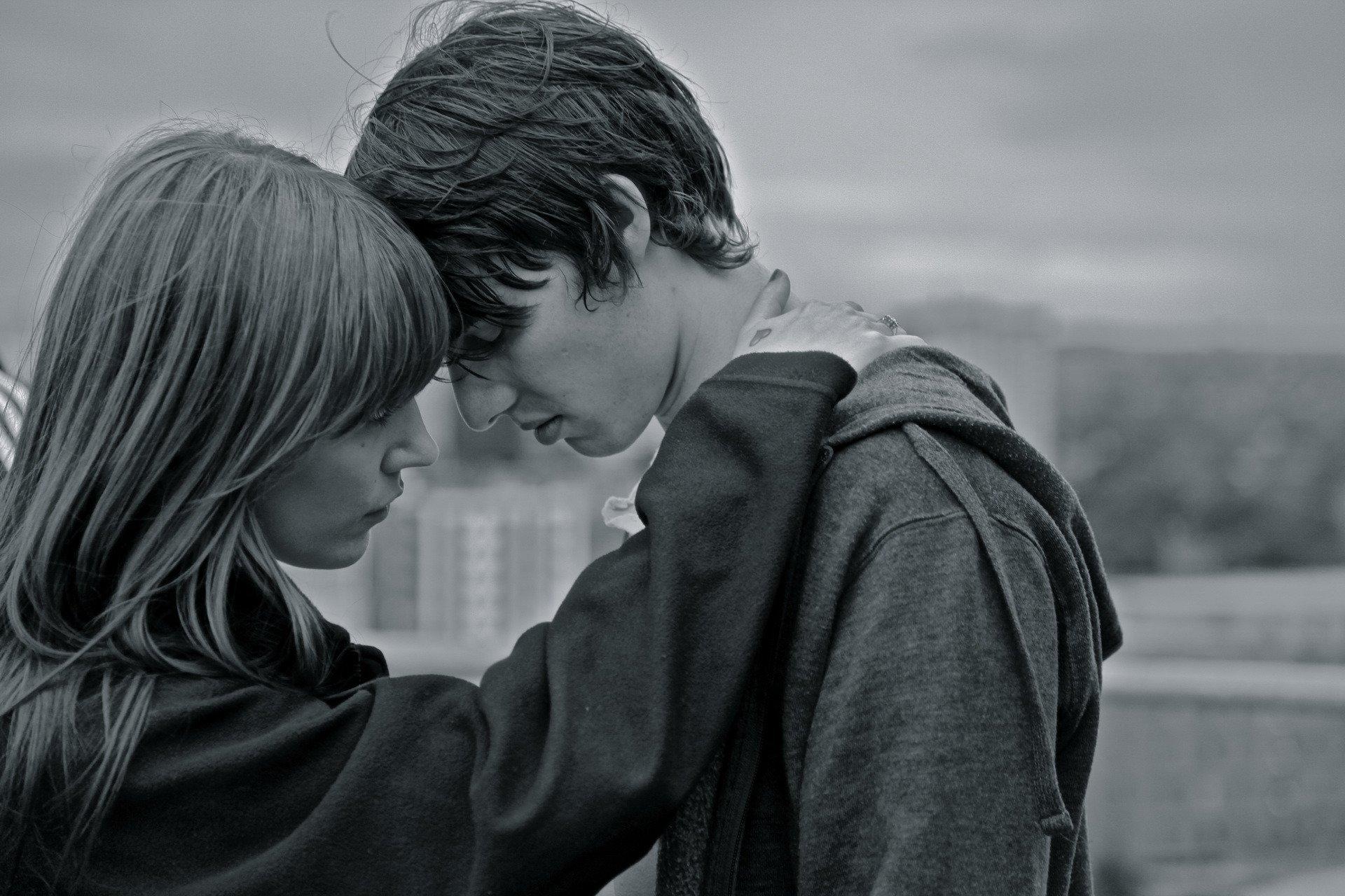 Грустные картинки про любовь парням
