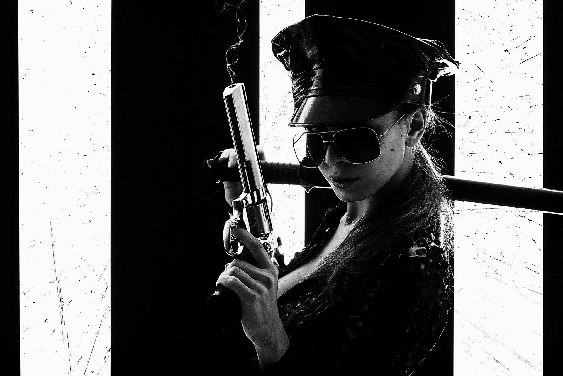 Картинки, крутые картинки для девочек с пистолетами