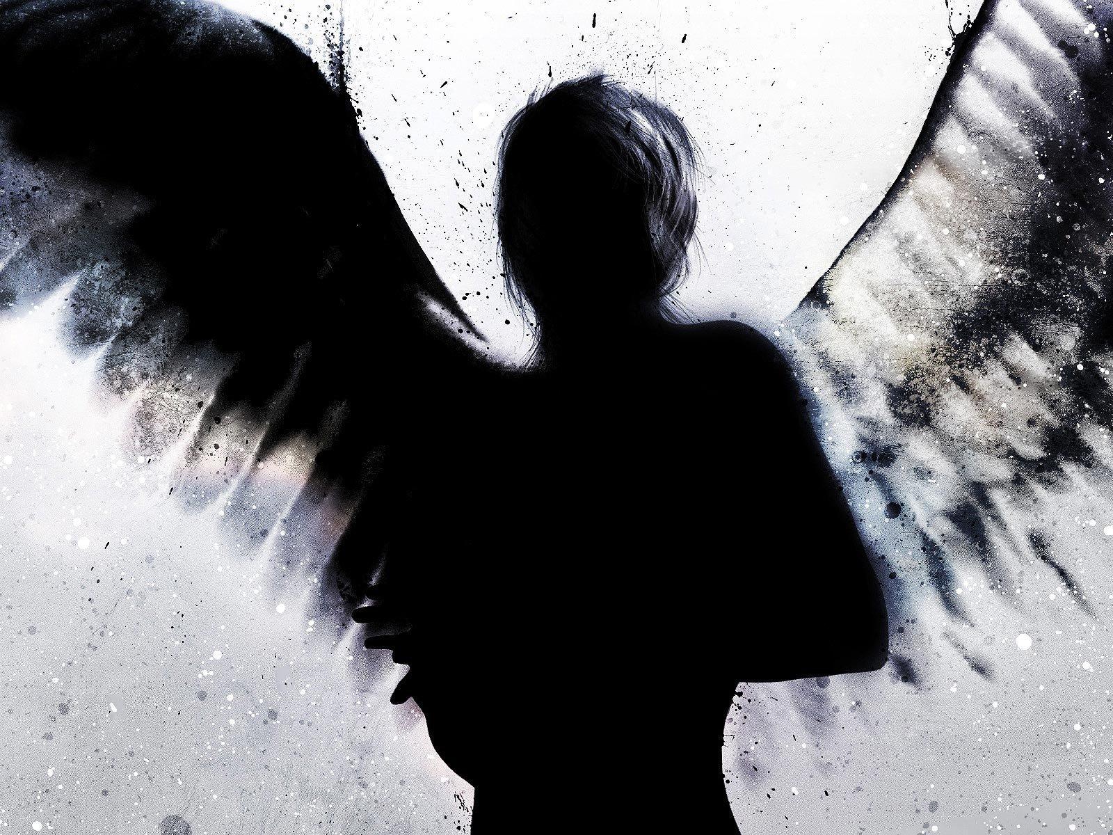 Картинки ангелов с крыльями с надписями