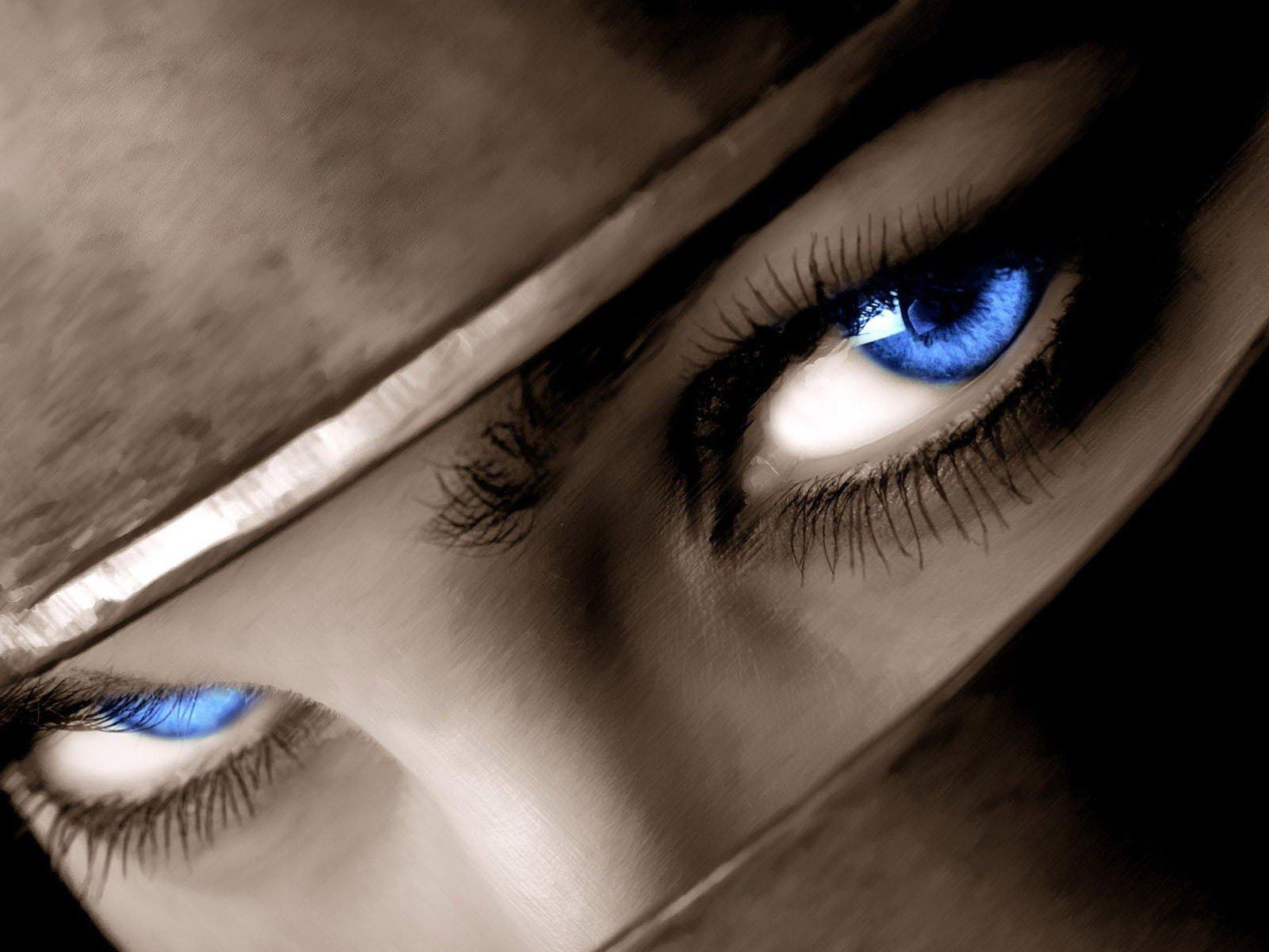 Фото девушек с глазами о любви