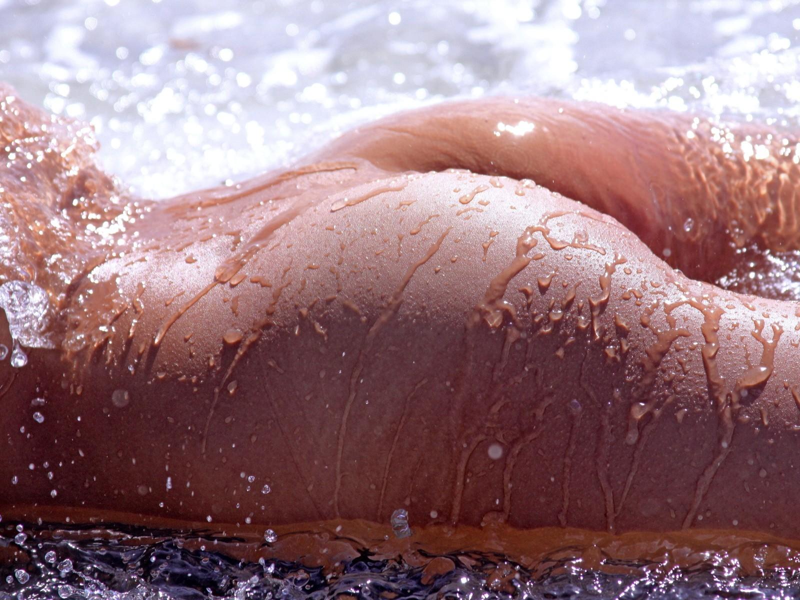 macro-nude
