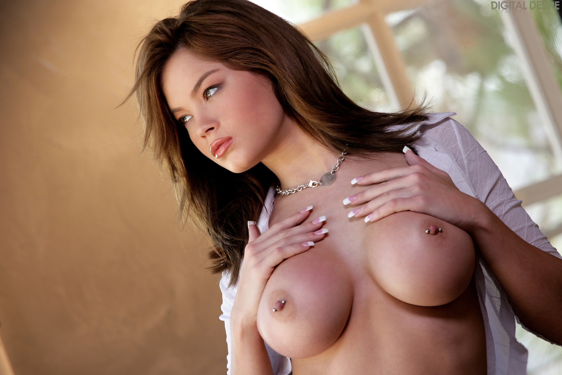 boobs-in-nude-suck-cokc-black